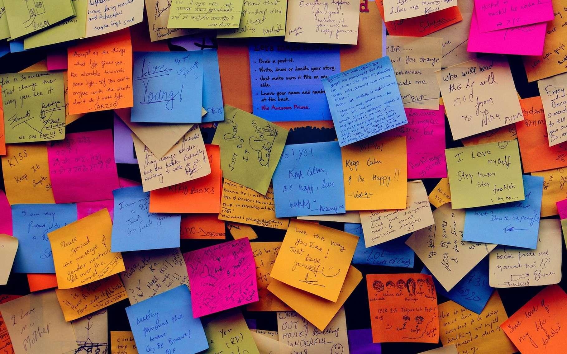 Certaines colles sont destinées à assembler des pièces pour des années. D'autres servent à coller des post-its au mur. Ainsi il est difficile d'imaginer une véritable colle universelle. © Pexels, Pixabay, CC0 Creative Commons