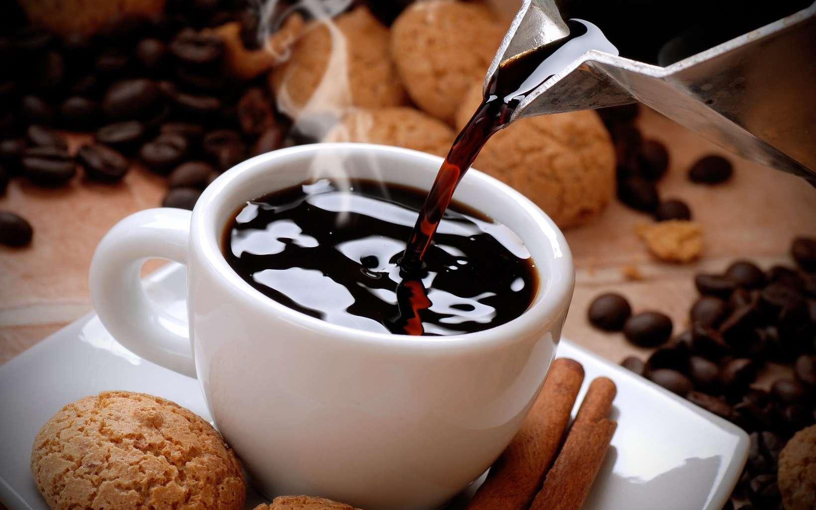 Boire du café pourrait limiter l'inflammation qui arrive naturellement avec l'âge. © al62, Fotolia