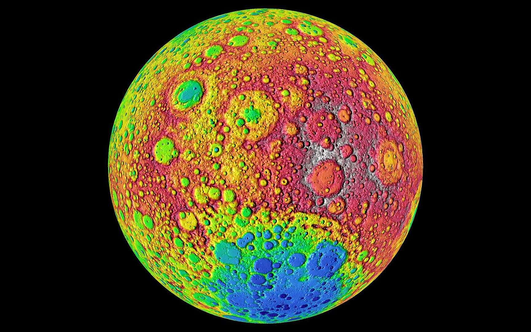 Carte altimétrique de la face cachée. Carte altimétrique de la face cachée de la Lune, réalisée à partir des mesures obtenues par le Lunar Reconnaissance Orbiter (LRO). Les zones les plus basses sont bleues (comme le bassin Aitken au pôle Sud), les hauts plateaux sont rouges. © Nasa/Goddard