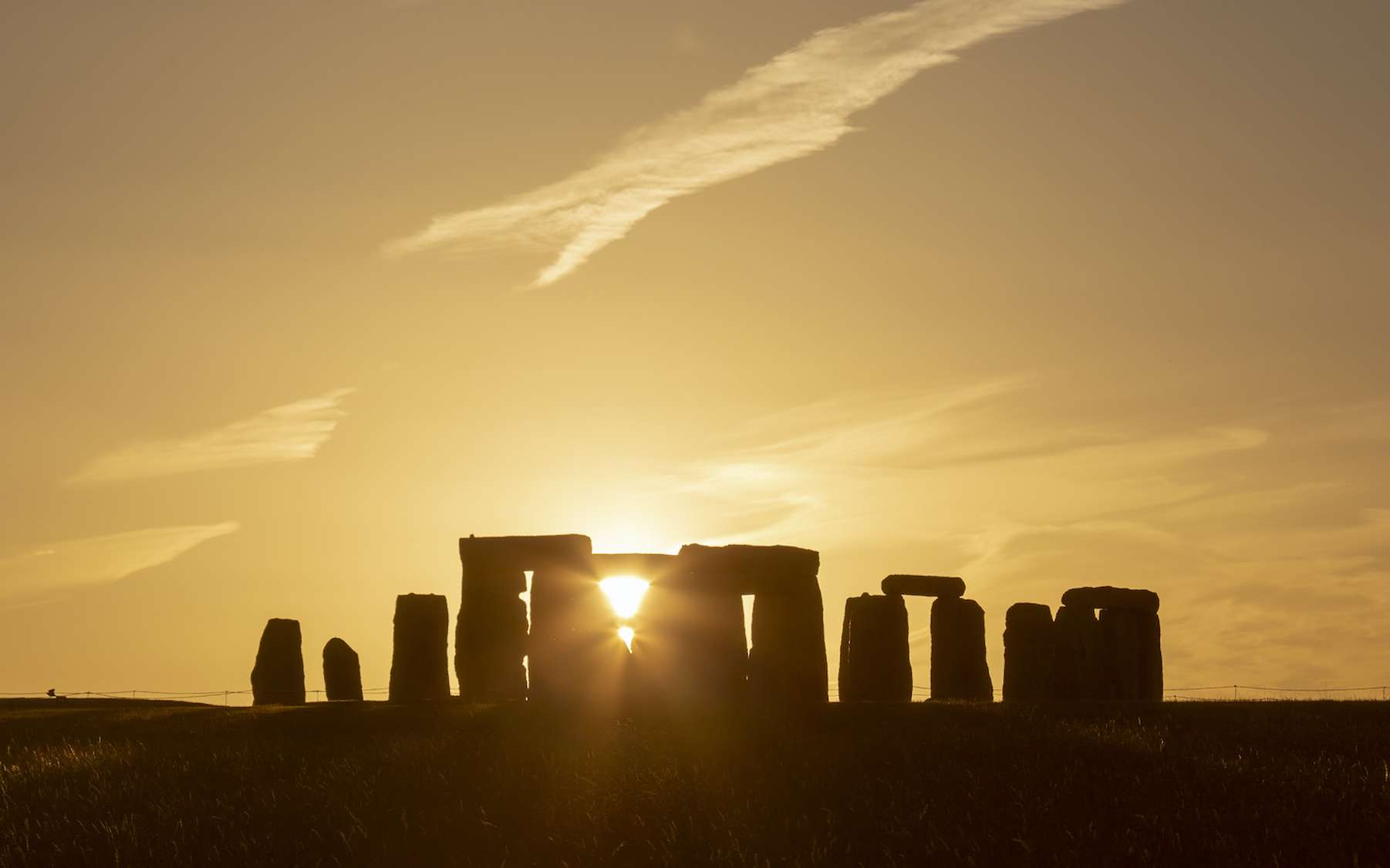 À Stonehenge, le solstice d'été est un moment très particulier. Et cette année, il fera l'objet d'un live Facebook sur la page de English Heritage. © Phil, Adobe Stock