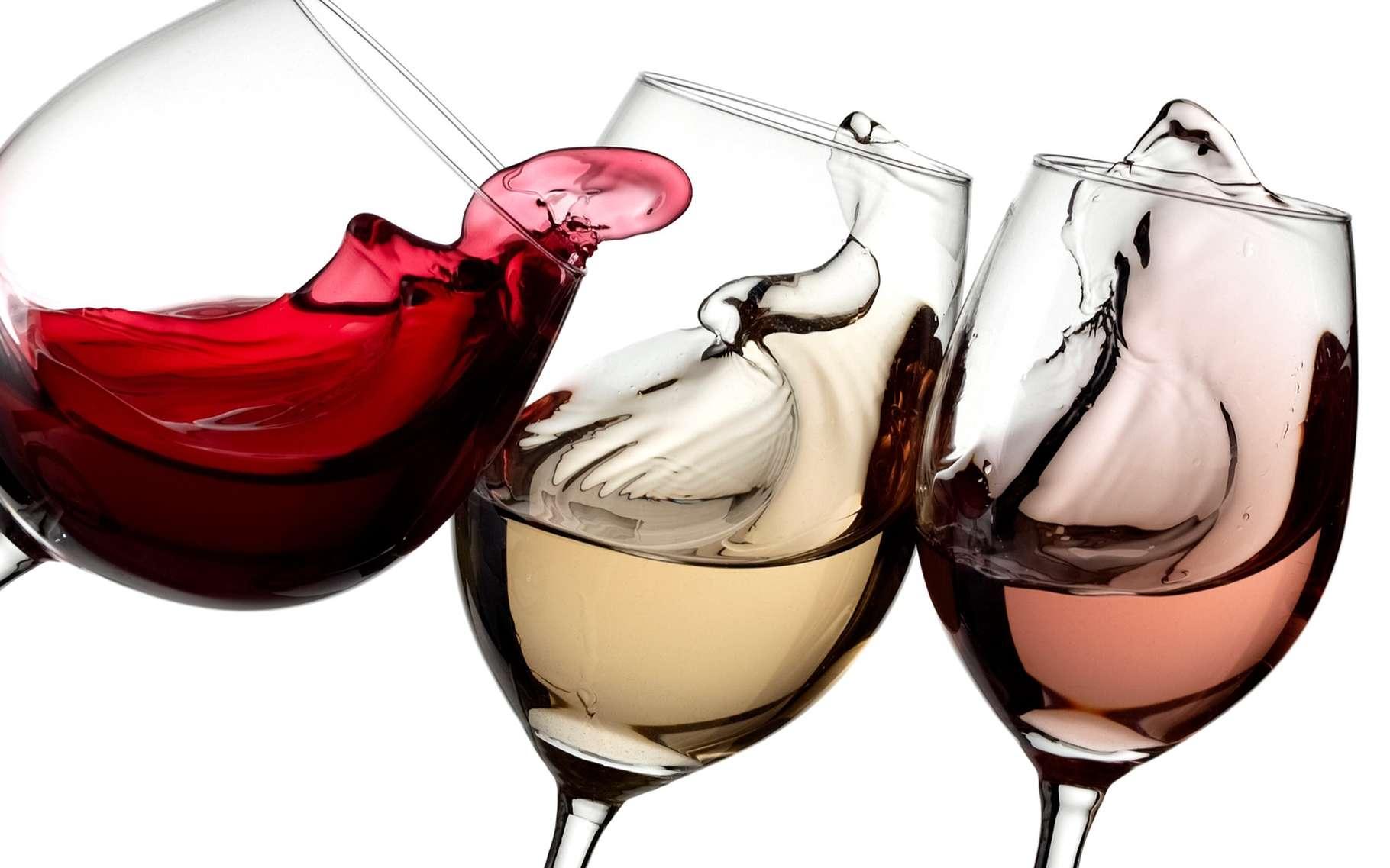 Ce n'est pas seulement leur couleur qui différencie vin rouge, vin blanc et vin rosé. © Mariyana M, Shutterstock