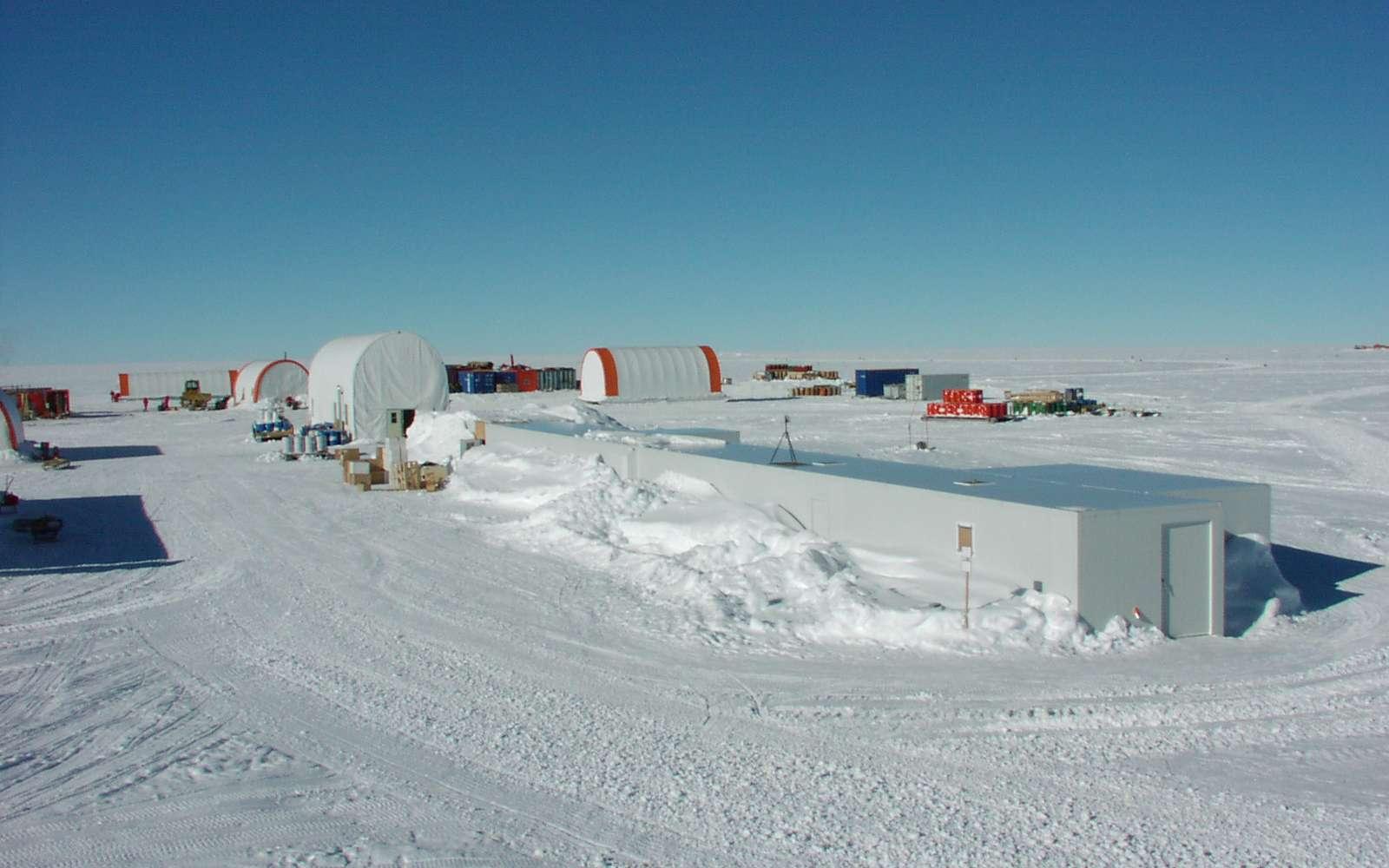 Le dôme Concordia (Antarctique) (Crédit : ENEA Rome, B. Narcisi).