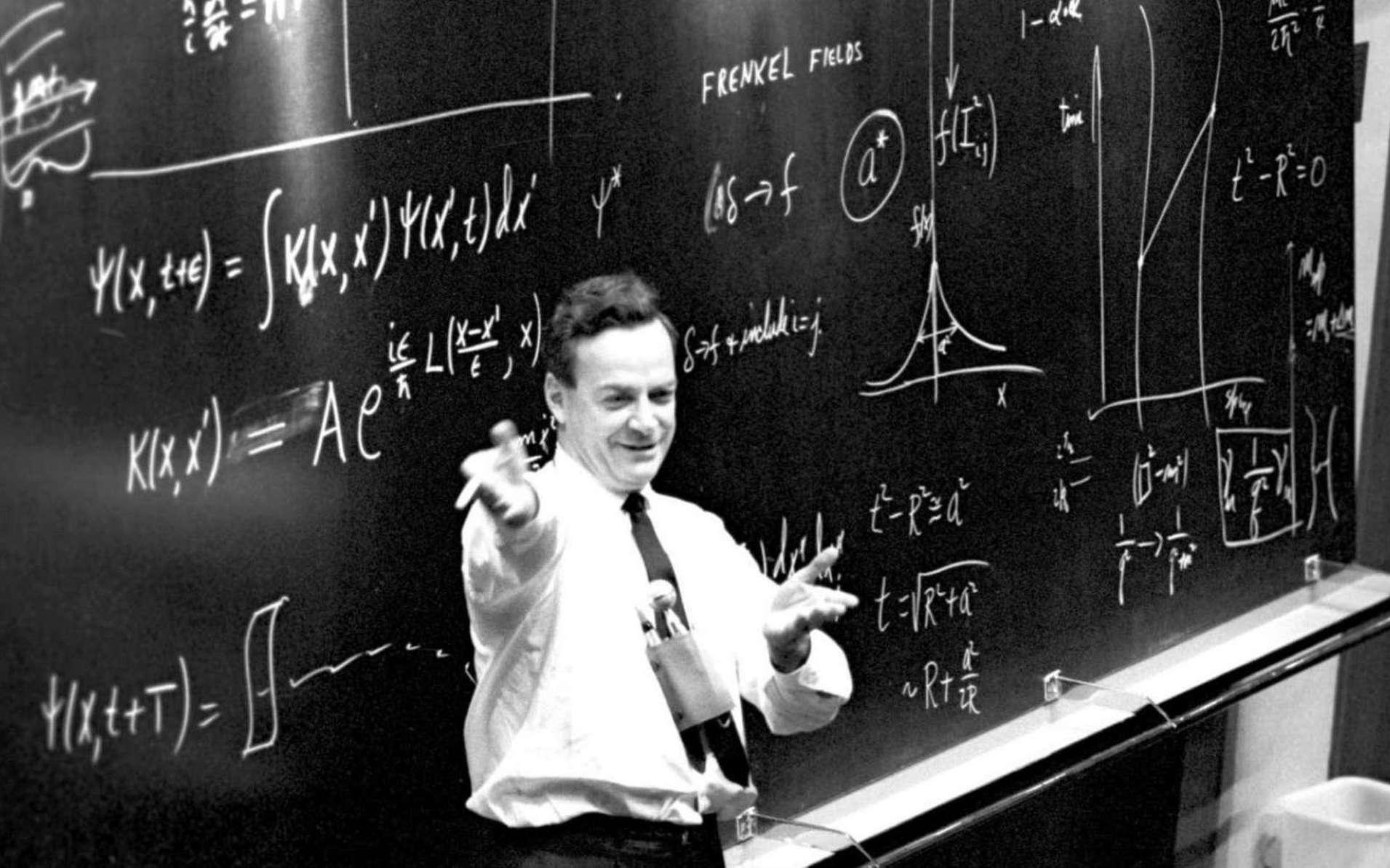 Le prix Nobel de physique Richard Feynman a été un pionnier des ordinateurs quantiques au début des années 1980. On le voit ici en séminaire au Cern en 1965. © Cern