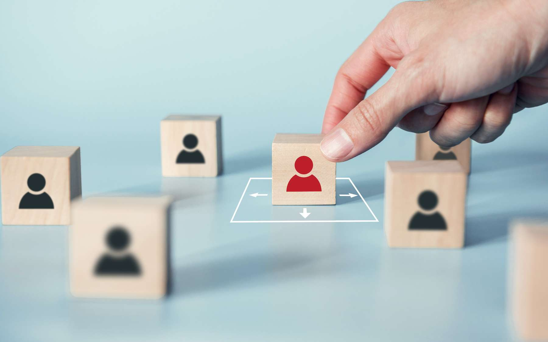 Un salarié sur deux n'hésite pas à se rendre au travail tout en étant symptomatique. © oatawa, Adobe Stock