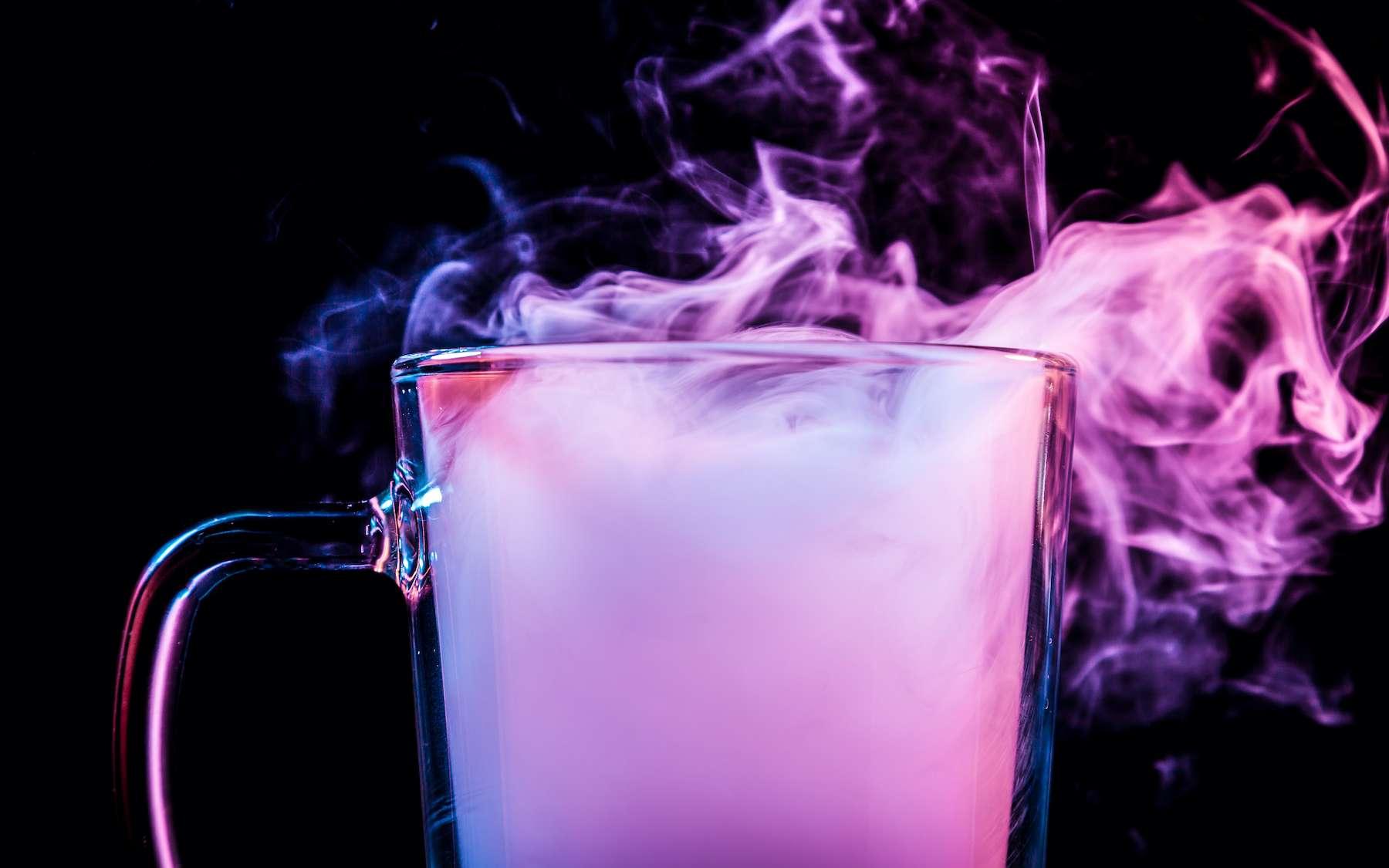 Le gaz lumineux, nouvelle méthode pour combattre le coronavirus ? © Виталий Сова, Adobe Stock