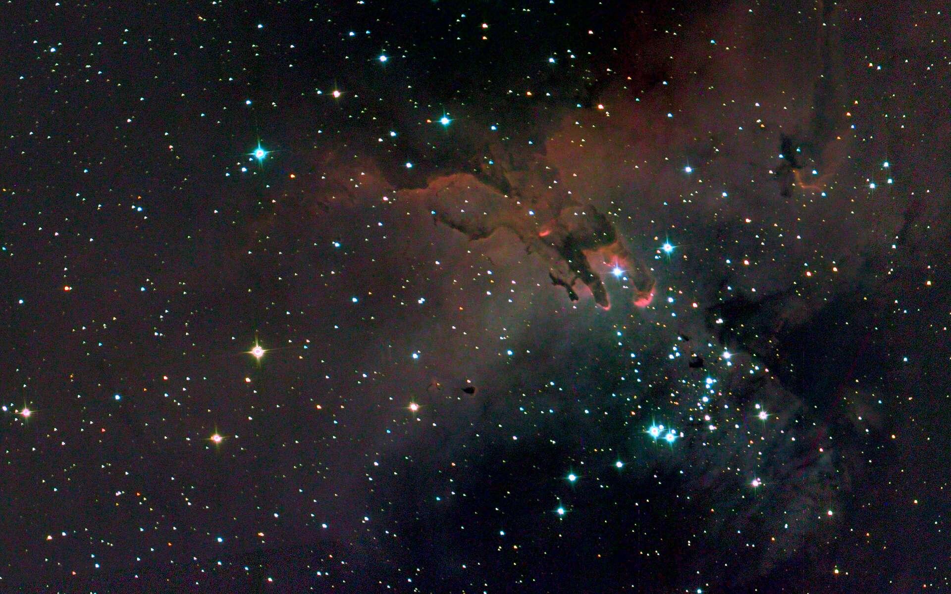 Une image composite prise par SuperBIT des « Piliers de la Création », une structure de gaz et de poussière dans la nébuleuse de l'Aigle, à 7.000 années-lumière de la Terre. © SuperBIT, Romualdez et al. (2018) SPIE 10702