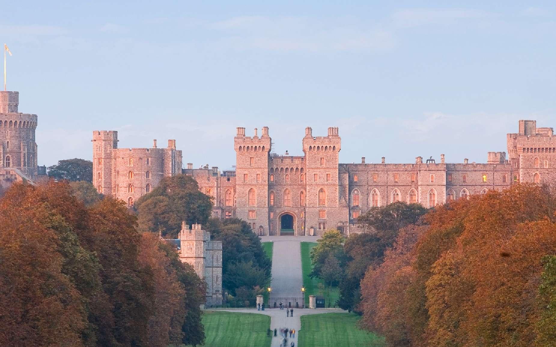 Vue du château de Windsor, résidence royale des souverains britanniques. © Wikimedia Commons, domaine public