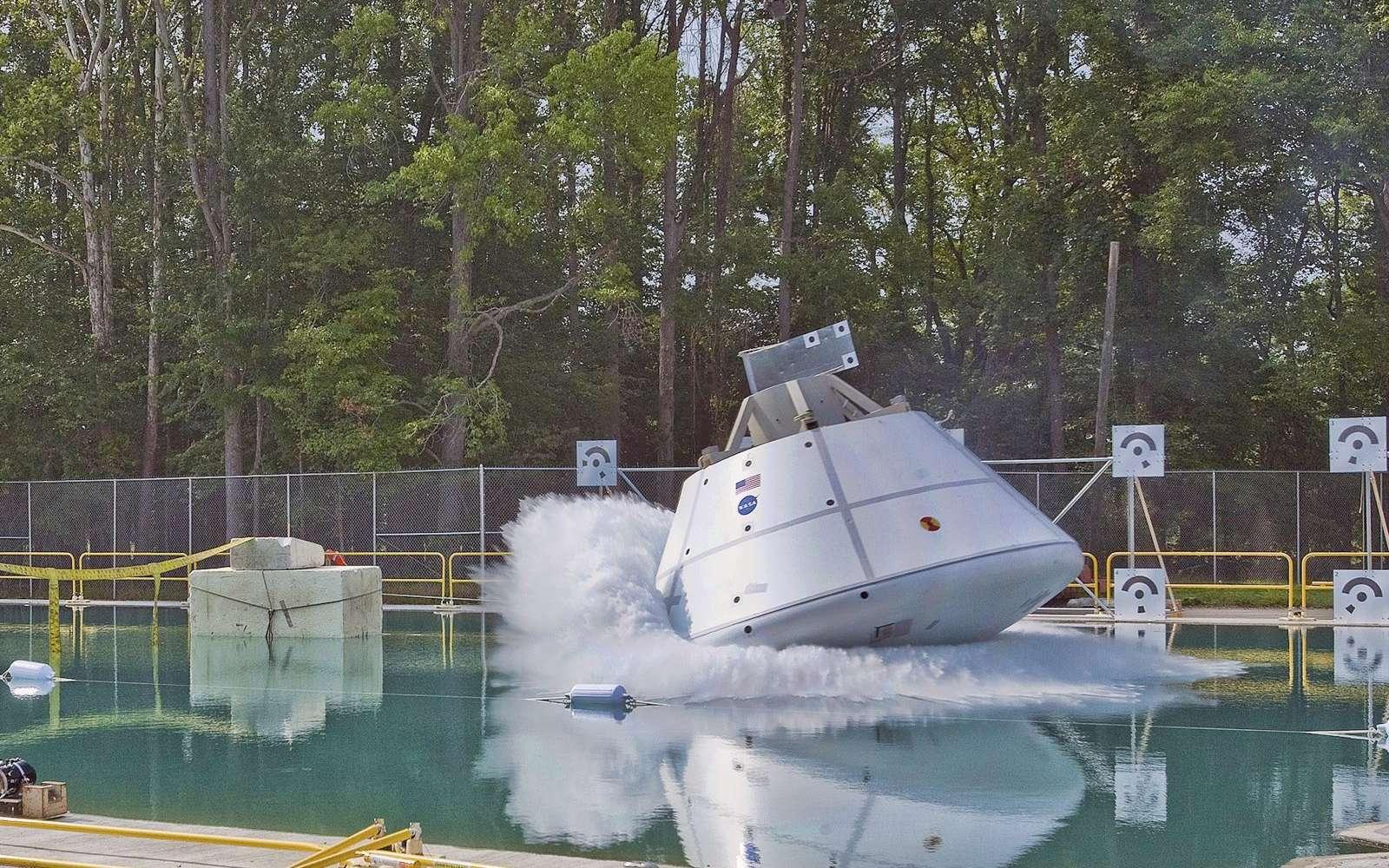 Comme premier client, le nouveau bassin d'essai du centre de recherche de Langley (Nasa) a testé le futur véhicule spatial d'exploration des États-Unis. © Nasa/Sean Smith