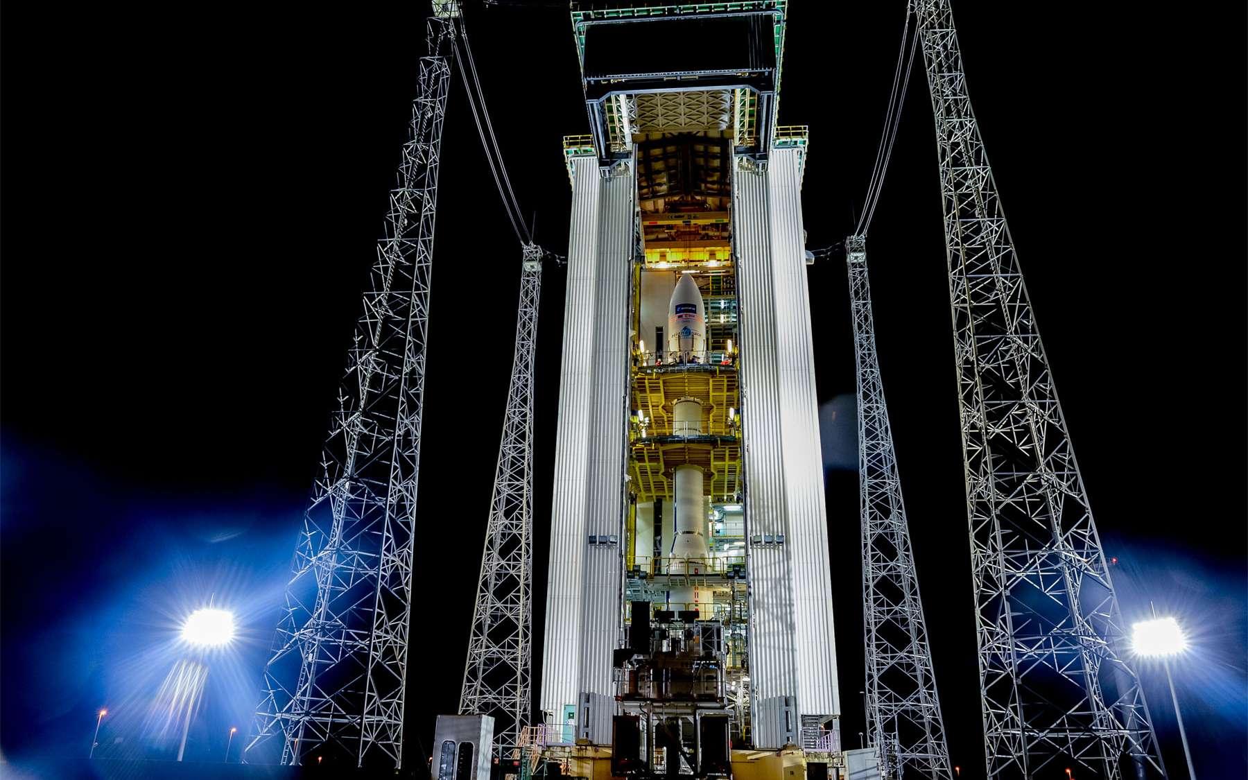 Le lanceur Vega, ici installé sur son pas de tir du Centre spatial guyanais, doit mettre en orbite Sentinel 2A. Ce premier satellite de la famille Sentinel 2 participera au programme européen Copernicus. © Esa, M. Pedoussaut