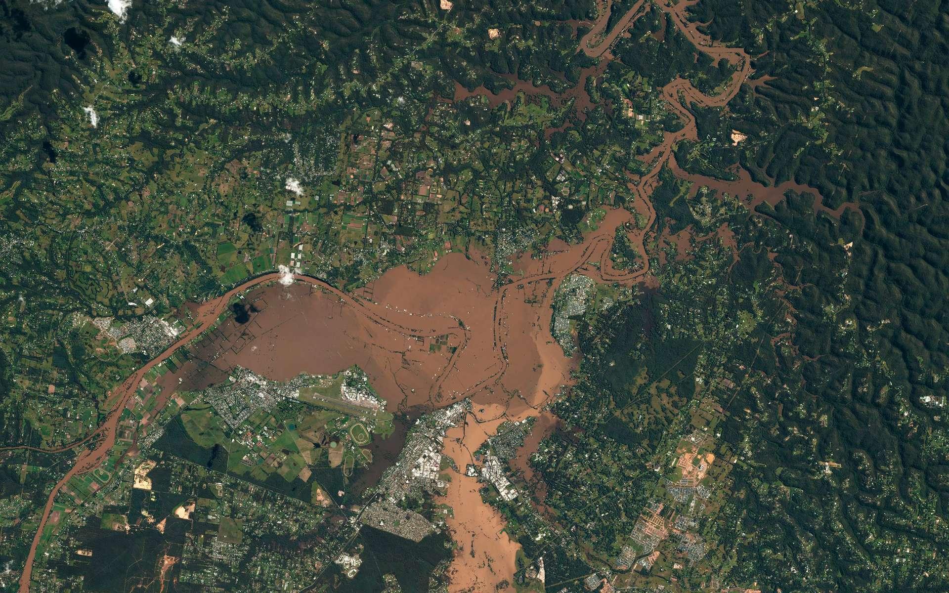 Inondations catastrophiques en Australie, dans la ville de Windsor, située au nord-ouest de Sydney (mars 2021). © 2021 Planet Labs, Inc