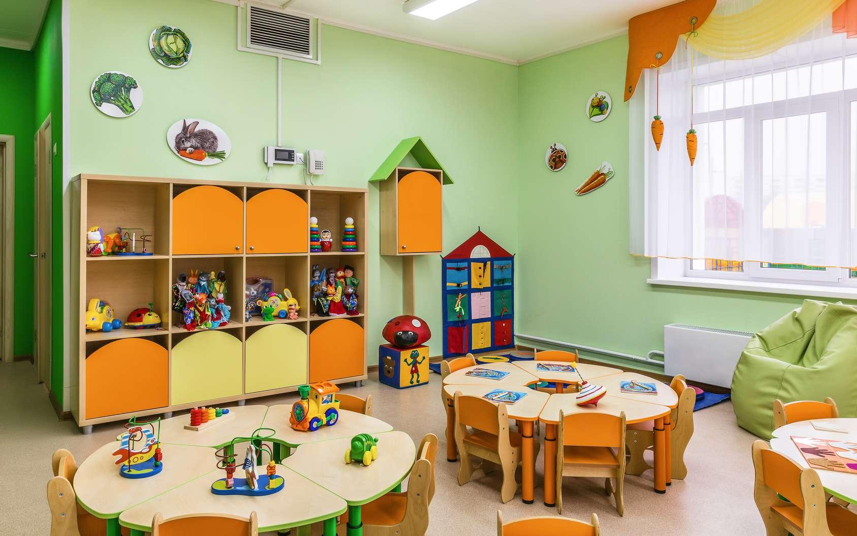 Espace d'activités proposant différents jeux favorisant l'éveil et la motricité de l'enfant. © Kot63, Fotolia.