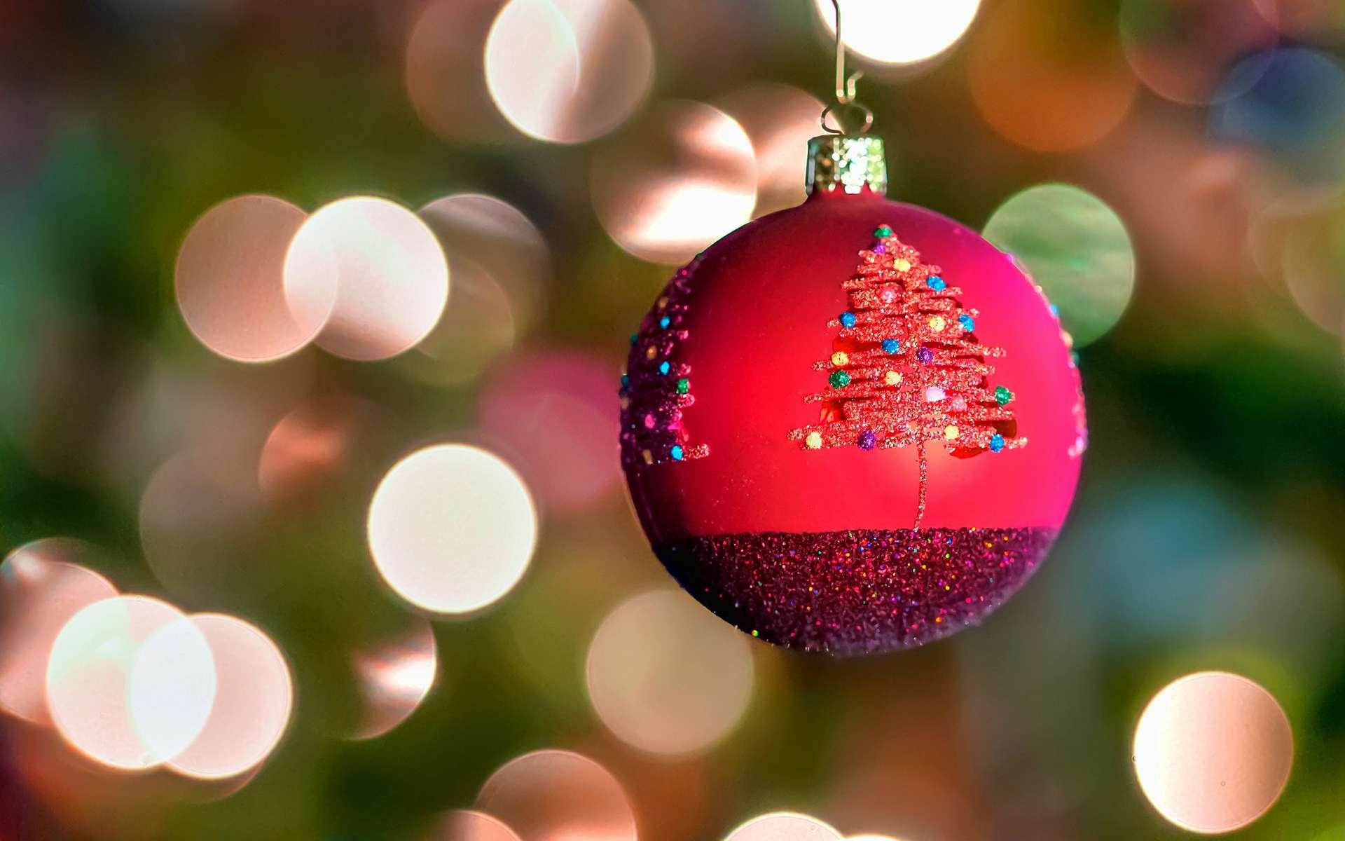 La féérie de Noël n'est pas appréciée de tous… Des chercheurs danois sont allés voir ce qui se passait dans le cerveau de ceux qui aiment cette fête pour localiser « l'esprit de Noël ». © Bill Dickinson, Flickr, CC by-nc-nd 2.0