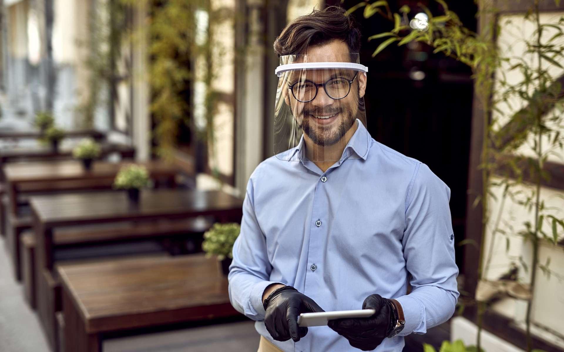 Comment porter une visière de façon efficace. © Drazen, Adobe Stock