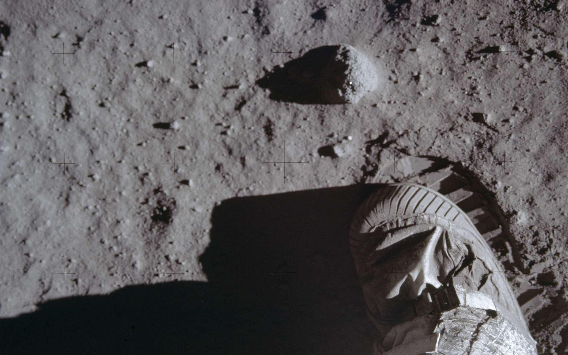 Troisième puissance spatiale à avoir envoyé un Homme dans l'espace par ses propres moyens, en 2003, après l'ex-URSS et les États-Unis, la Chine étoffe son programme lunaire et veut faire de notre satellite son terrain de jeu. Une première mission habitée est planifiée pour 2036. © Nasa