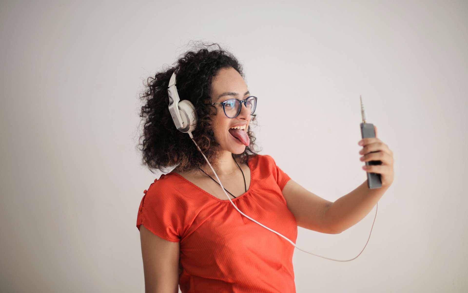 Free Mobile fait chuter les prix pour la rentrée © Andrea Piacquadio, Pexels
