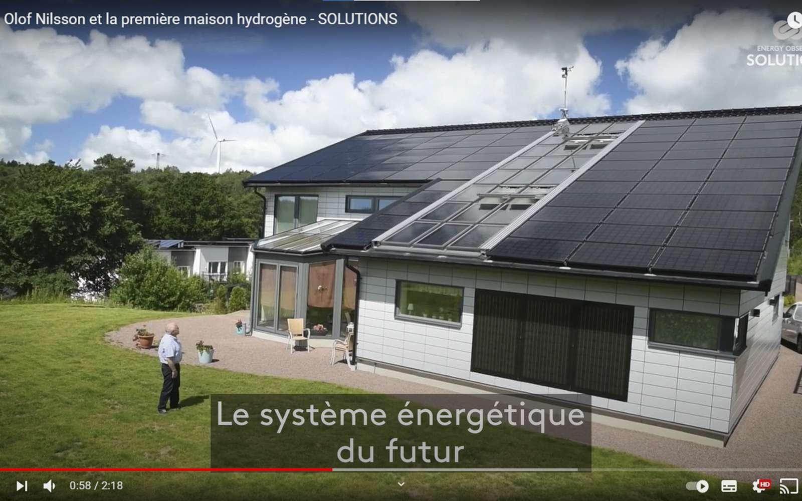 La première maison, alimentée à l'énergie solaire et à l'hydrogène, est autonome en énergie. © Energy Observer productions