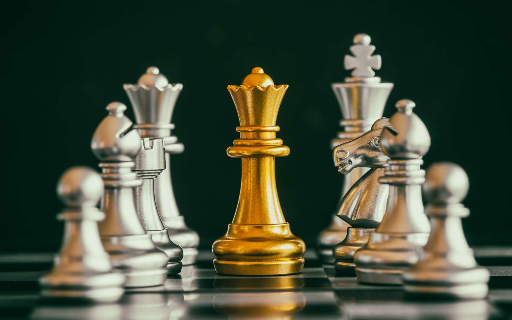 La maîtrise des échecs fut presque une simple formalité pour AlphaZero, l'IA de Google DeepMind. © Phongphan5922, Fotolia