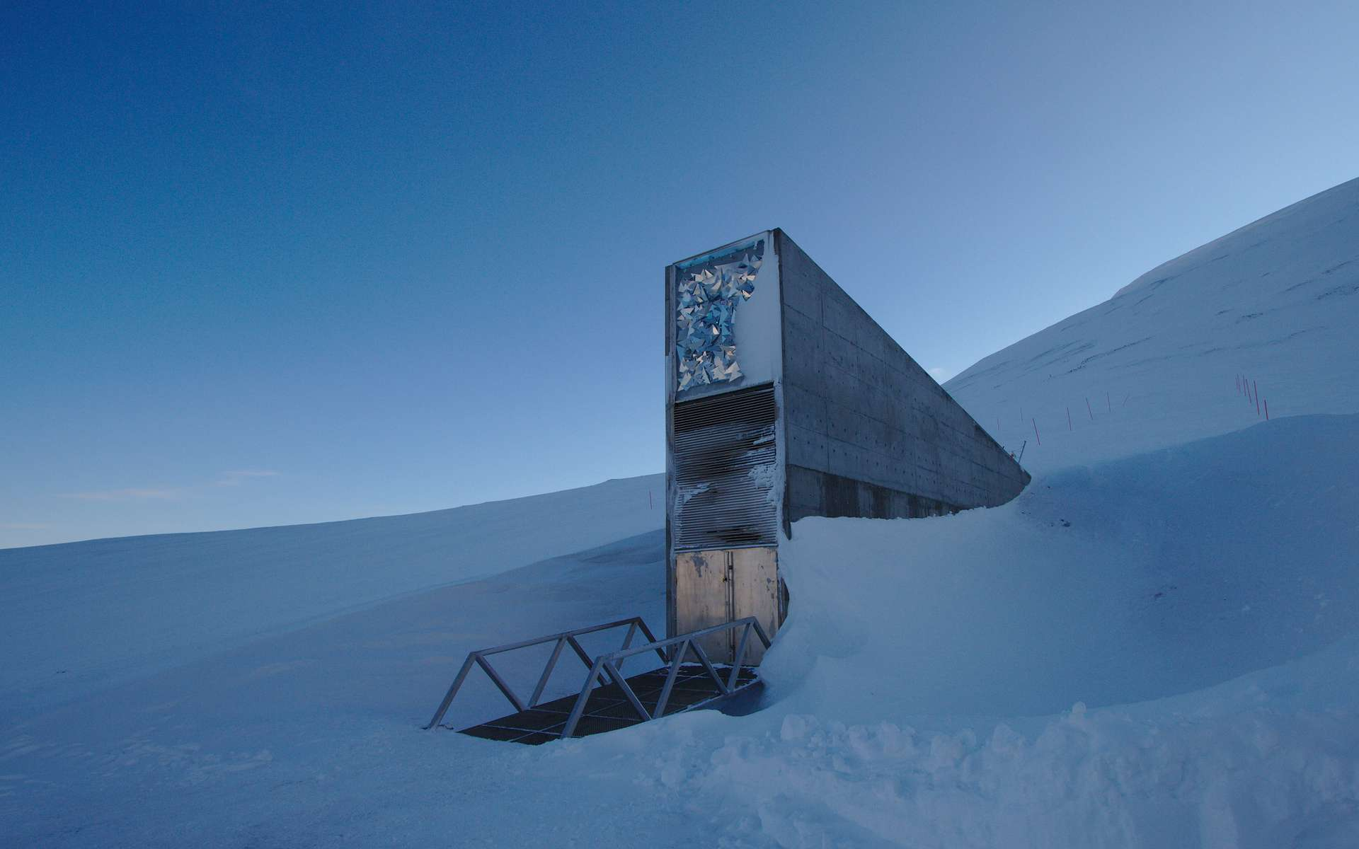 C'est sur l'archipel du Svalbard (Norvège), tout au nord de l'océan Atlantique, qu'a été lancé le projet de Réserve mondiale de semences, destiné aux générations futures. © Einar Jørgen Haraldseid from Gjøvik, Norway, Wikimedia Commons, CC by-sa 2.0