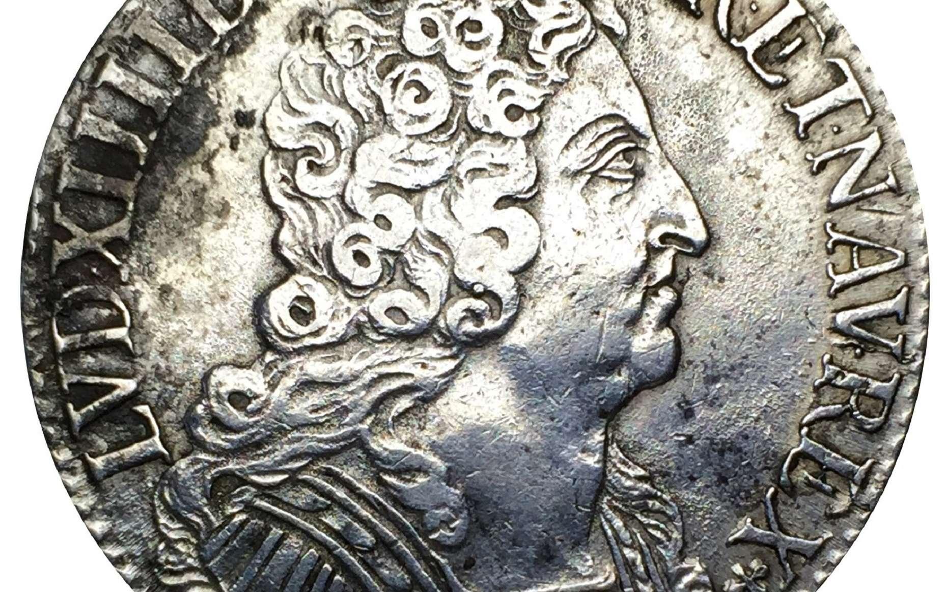 Écu d'argent dit « aux trois couronnes », Louis XIV, frappé en 1709 à Paris. Catalogue Numista (fr.numista.com). © claude44