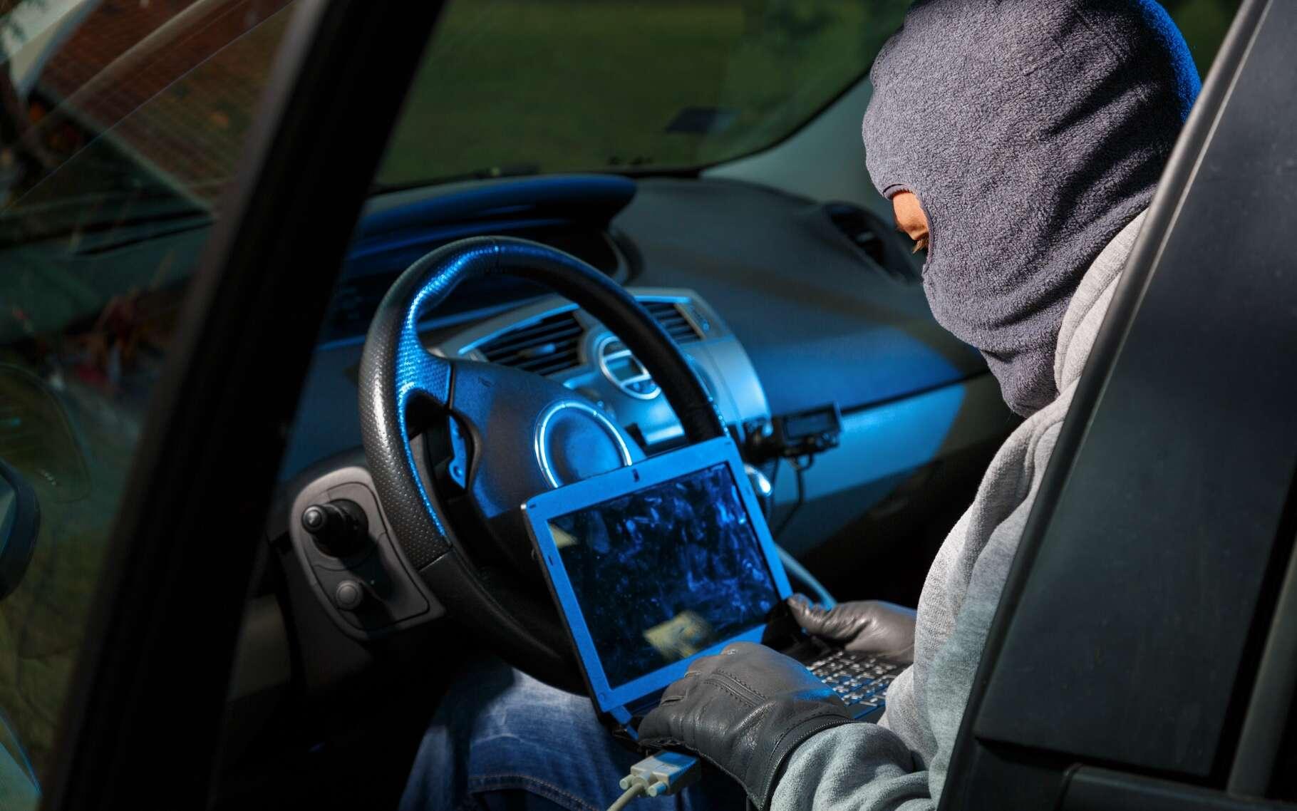 À l'image de ce qui se passe avec les ordinateurs, la sécurité des systèmes informatiques des véhicules est en train de devenir un enjeu crucial. © Dejan Dundjerski, Shutterstock
