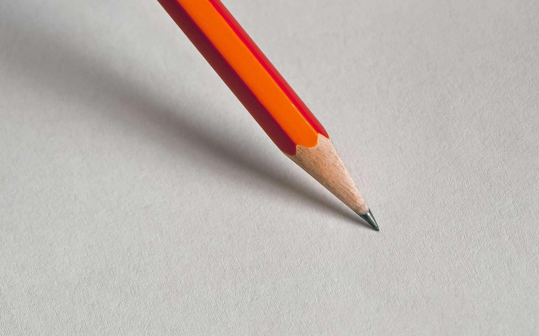 Le graphite, comme celui que l'on trouve dans les mines de crayons, est un conducteur d'électricité. © Devanath, Pixabay License