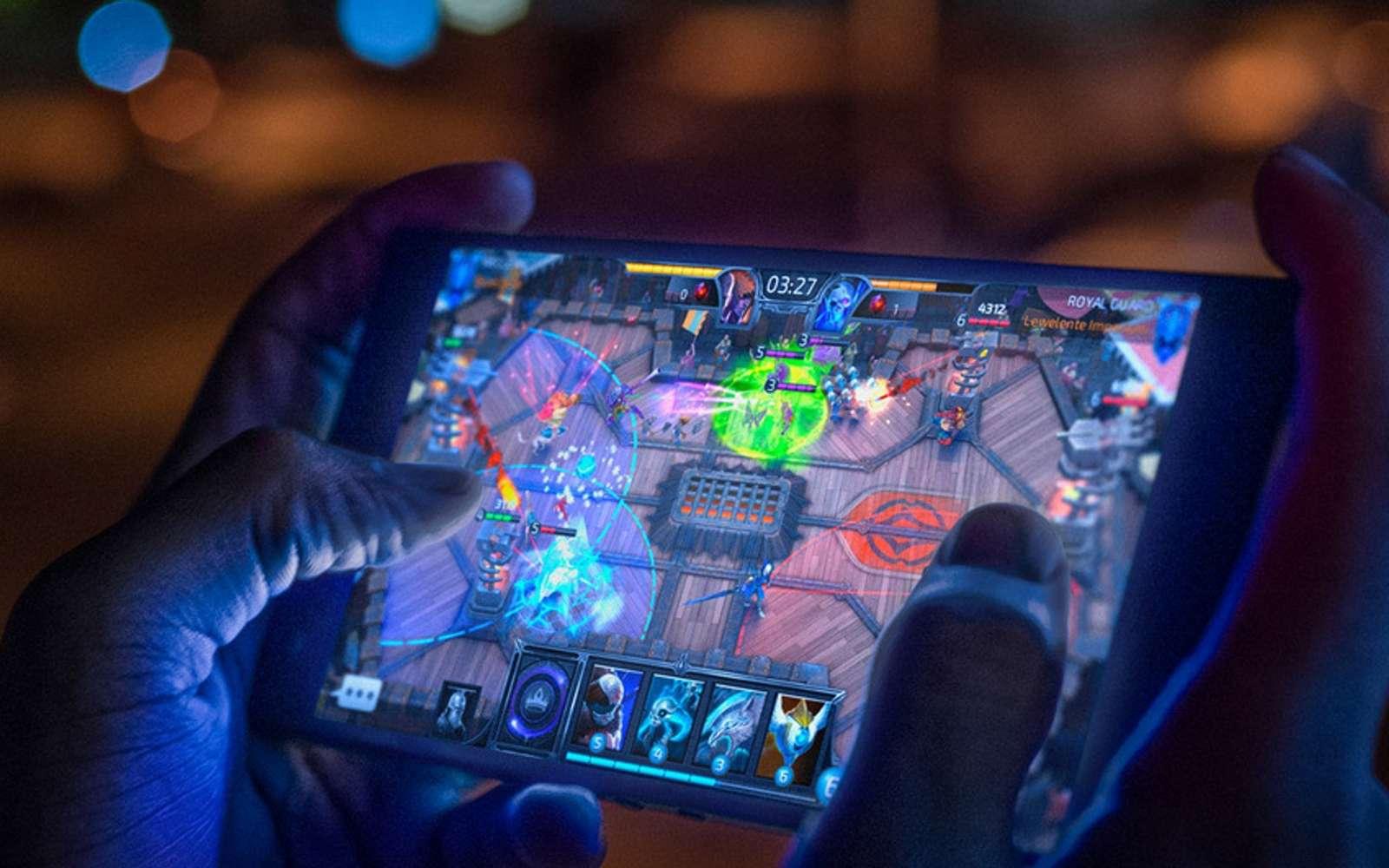 Le Razer Phone 2 est une mise à jour du premier mobile dédié aux joueurs de la marque. © Razer