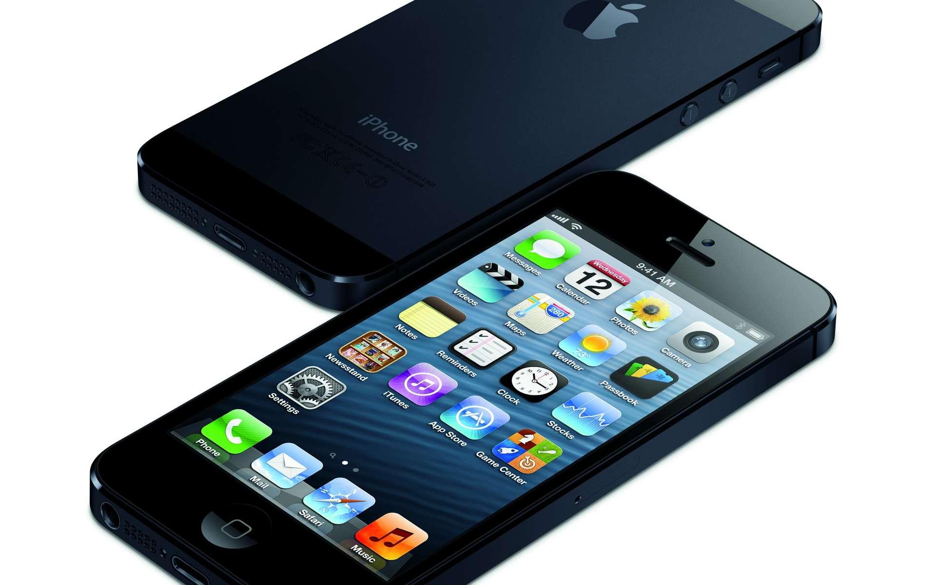 Depuis l'iPhone 4S, Apple a intégré son assistant vocal Siri, du nom de l'entreprise éponyme rachetée en avril 2010. Bien que cela n'ait jamais été officiellement confirmé, c'est Nuance qui aurait fourni la technologie d'origine. © Apple