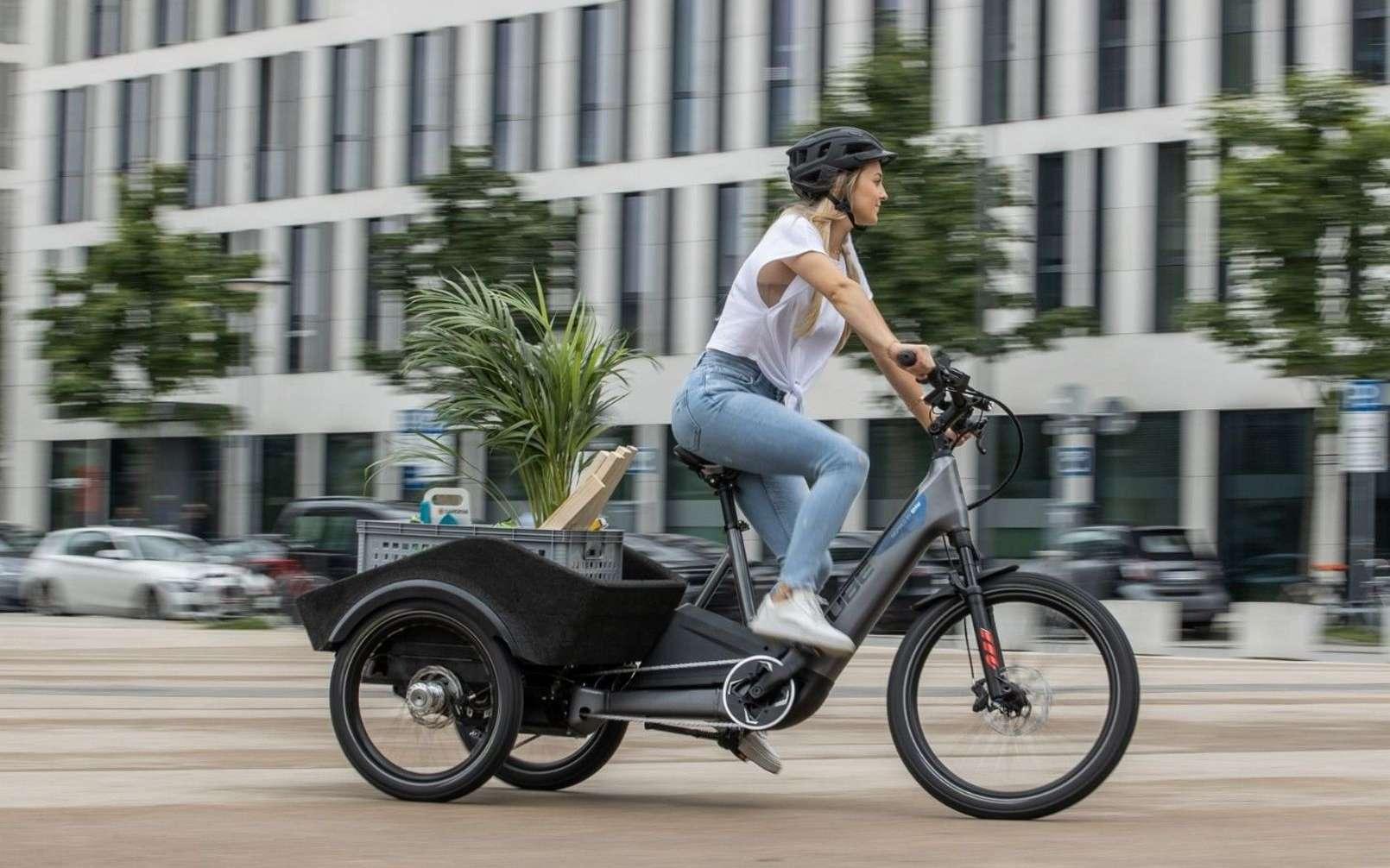 Le vélo cargo électrique Concept Dynamic Cargo développé par Cube en collaboration avec BMW. © Cube
