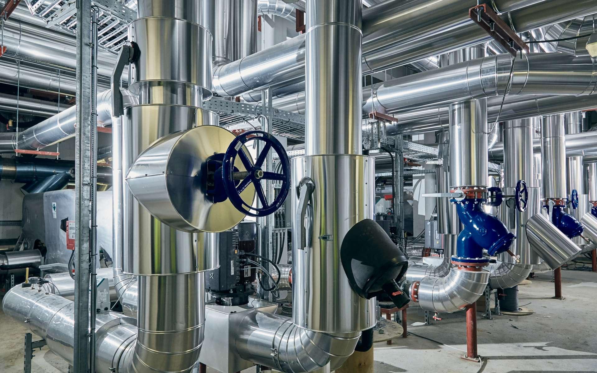 Dans le réseau Massiléo, de l'eau de mer échange sa chaleur avec un circuit d'eau douce. Grâce à des pompes à chaleur réversibles, il pourra chauffer ou rafraîchir des bâtiments. © EDF, Dalkia Smart Building, Artkom