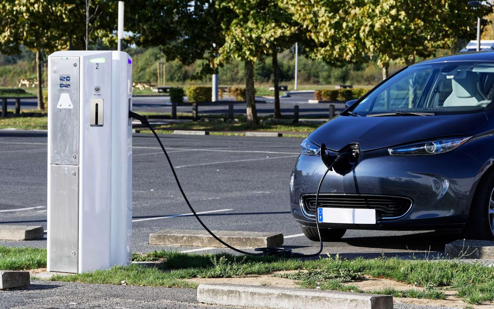 Google Maps permet de savoir en temps réel si une borne de recharge électrique est libre ou occupée. © Pictures news, Fotolia