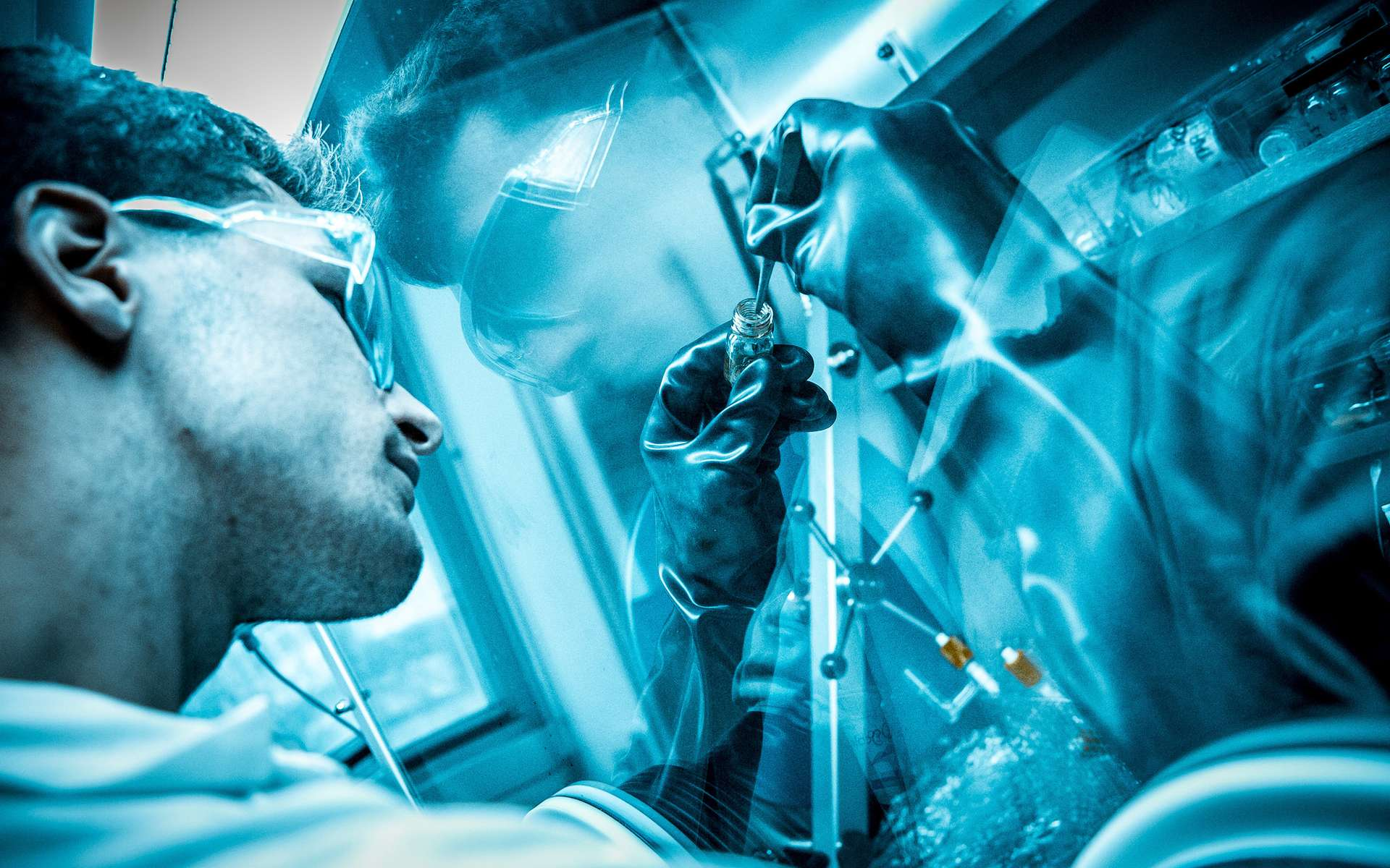 En chimie, la catalyse peut permettre d'augmenter la vitesse à laquelle se produit une réaction. © École polytechnique Université Paris-Saclay, Flickr, CC by-sa 2.0