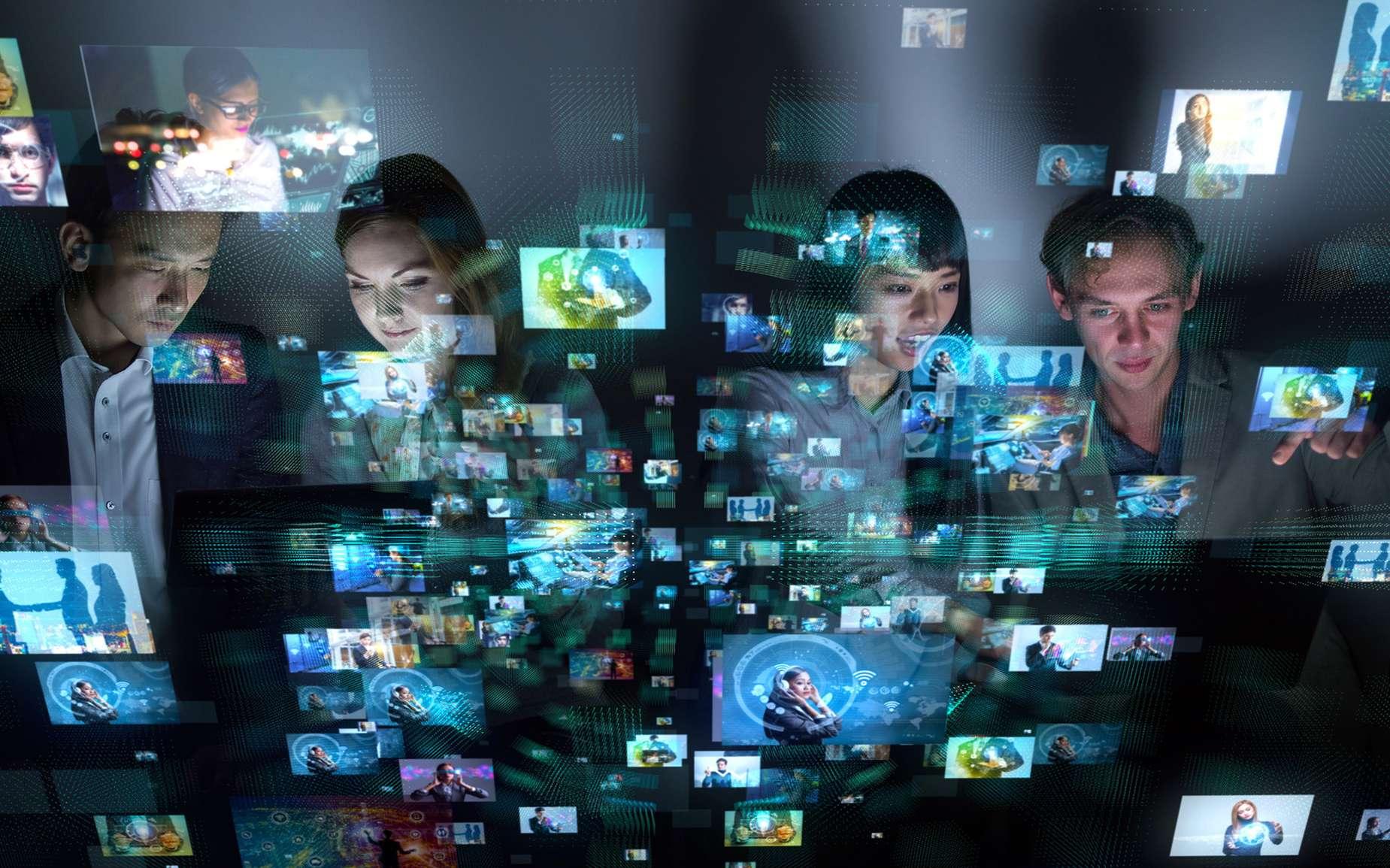 Un achat sur Internet, la consultation d'un site d'actualité, un jeu en ligne... Facebook vous suit partout © chombosan, fotolia