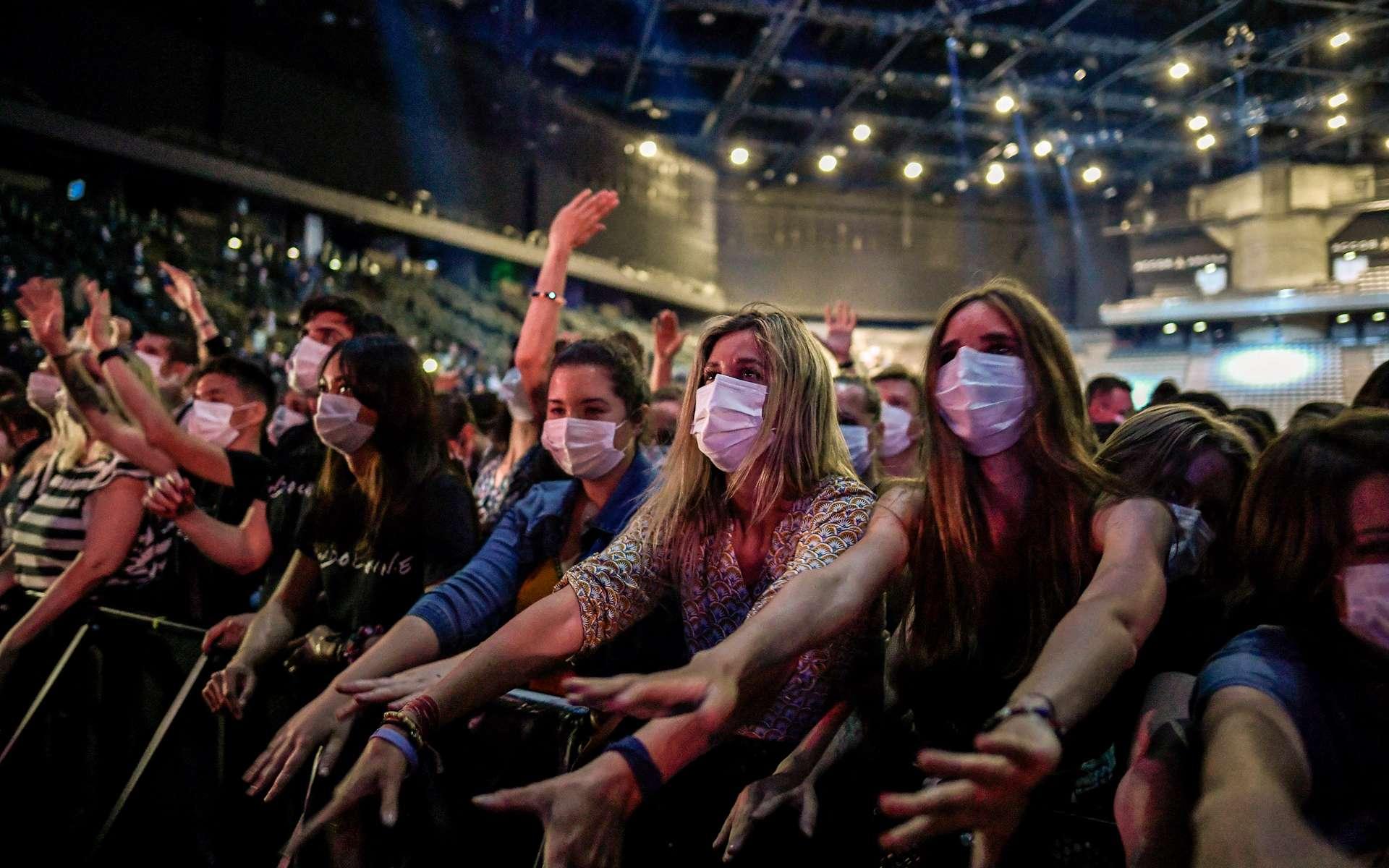 La présence « à un concert n'a pas été associée à un sur-risque de transmission » de la Covid-19. © Stéphane de Sakutin, AFP