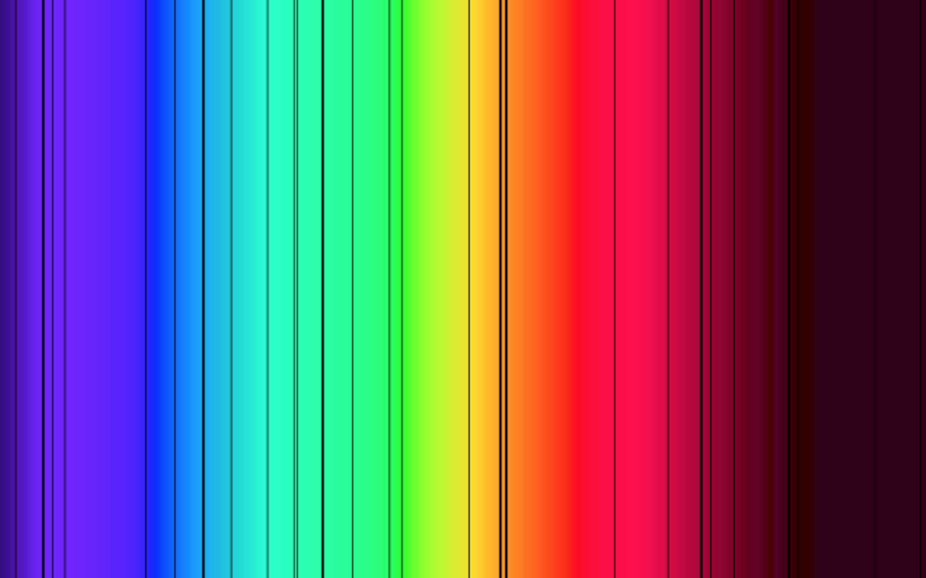 Le spectre d'absorption du soleil est constitué de nombreuses raies qui révèlent la composition chimique de son atmosphère. © Saperaud, Wikipédia, DP