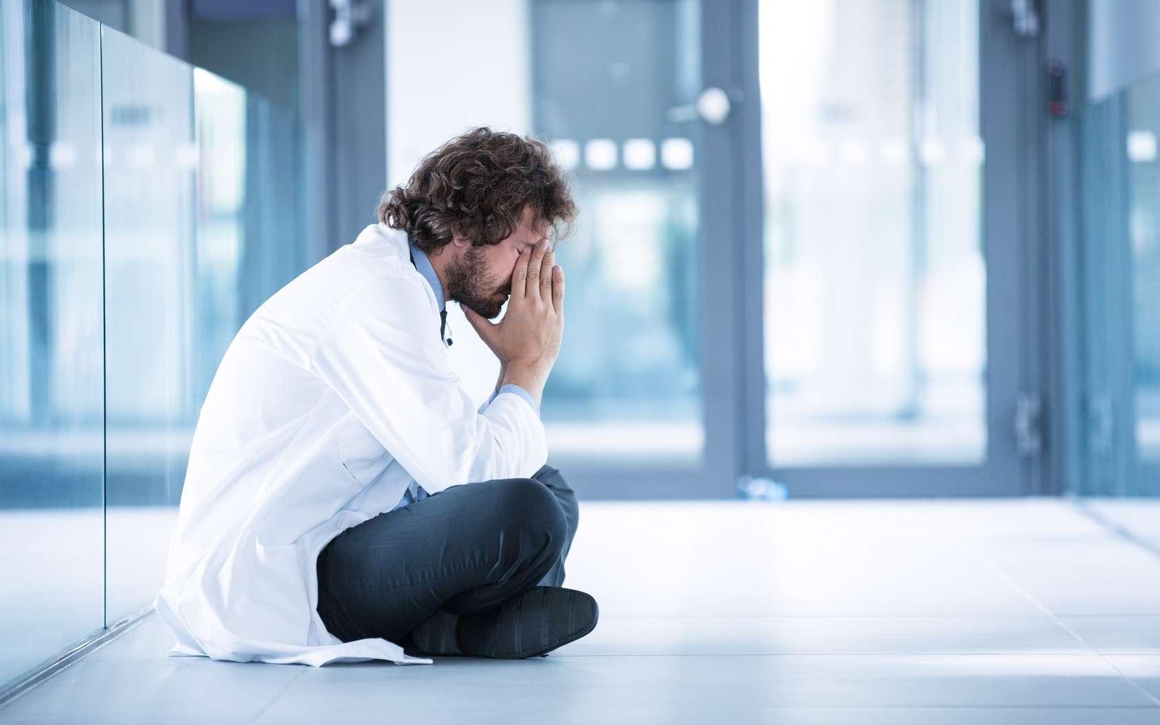Les médecins français sont deux fois plus touchés par le burn-out que les autres professions. © WavebreakMediaMicro, Fotolia