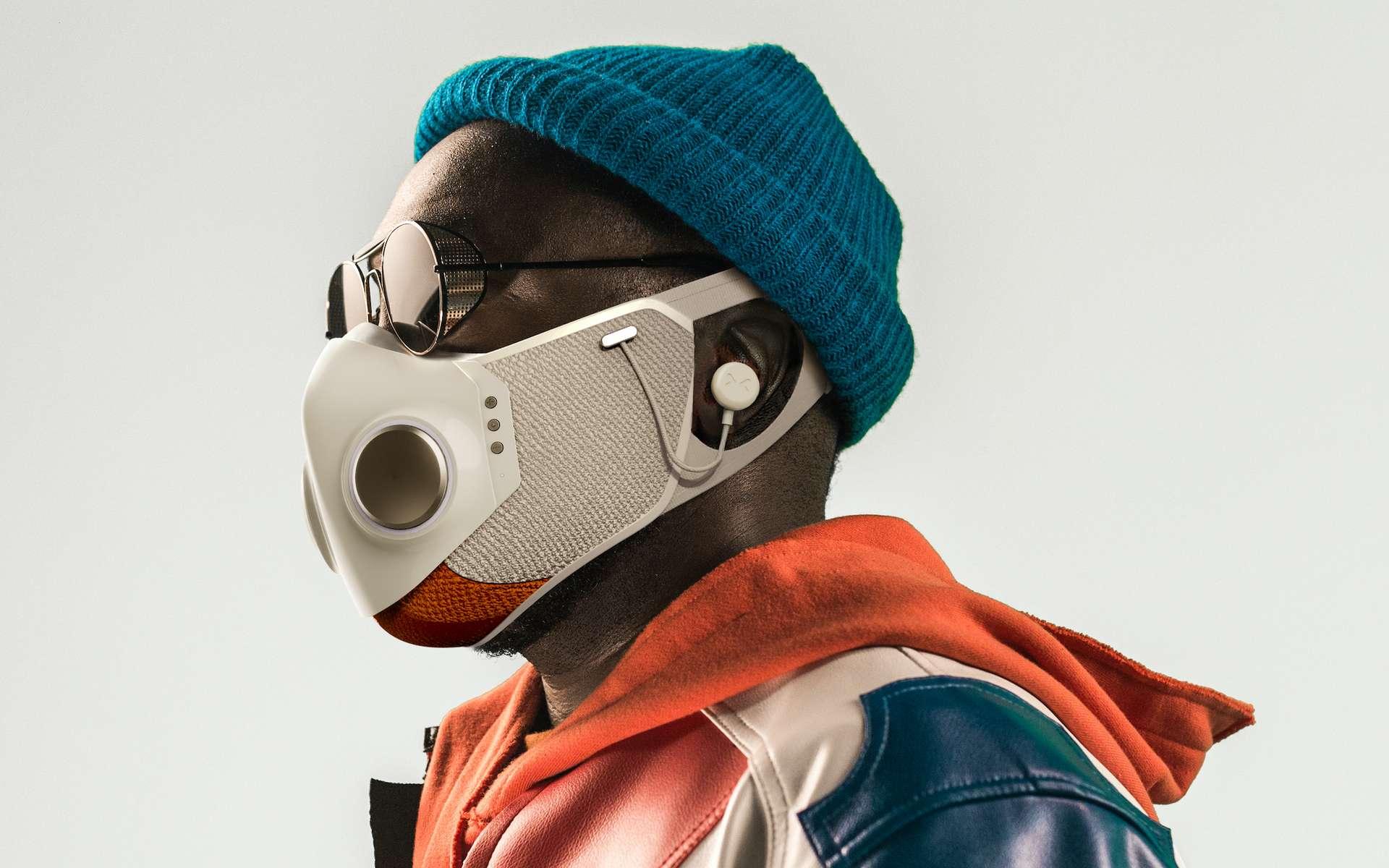Un masque futuriste créé par le designer des costumes de Daft Punk et de super-héros