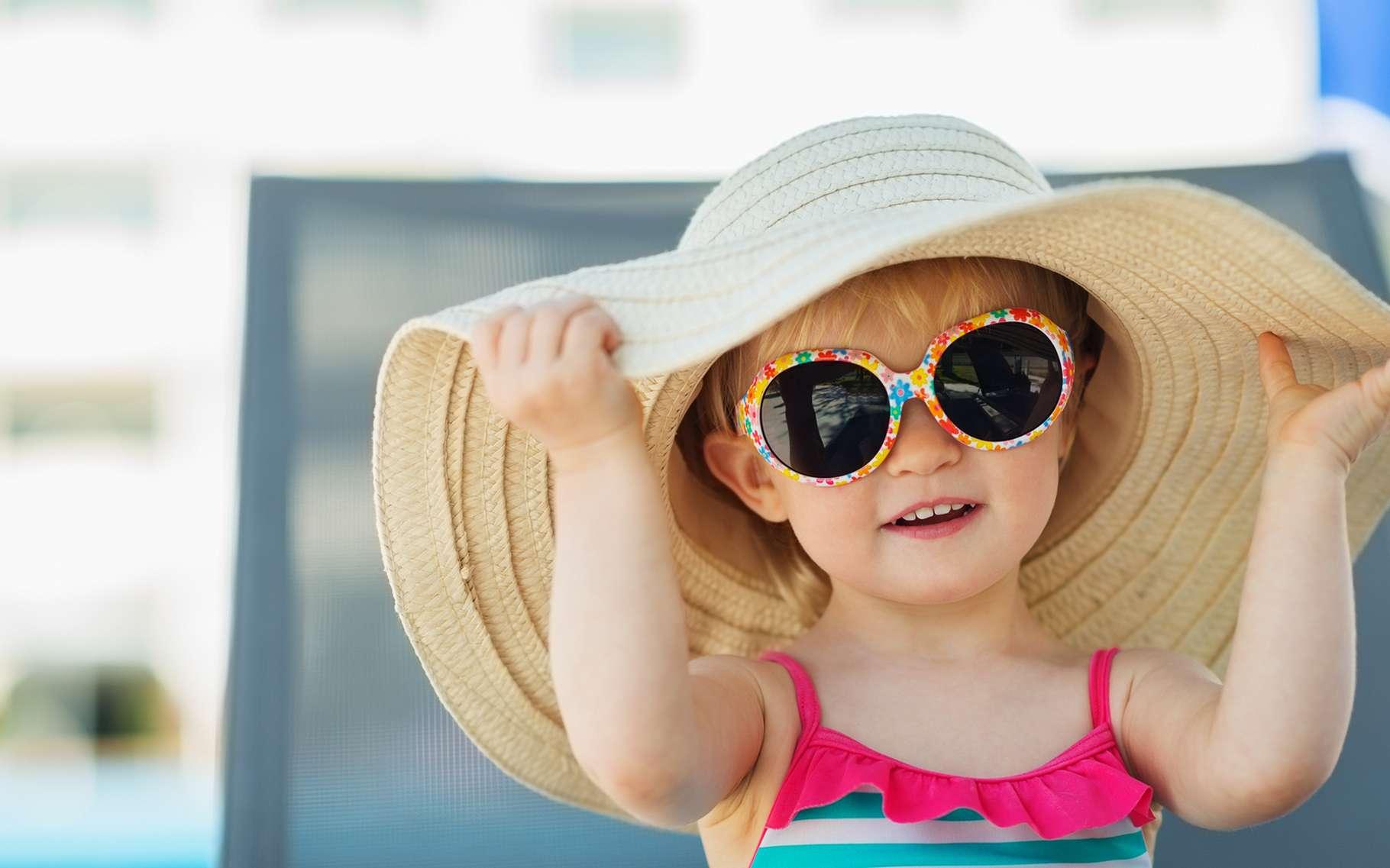 Pour protéger votre enfant, pas d'exposition au soleil entre 12 heures et 16 heures. © Alliance, Shutterstock