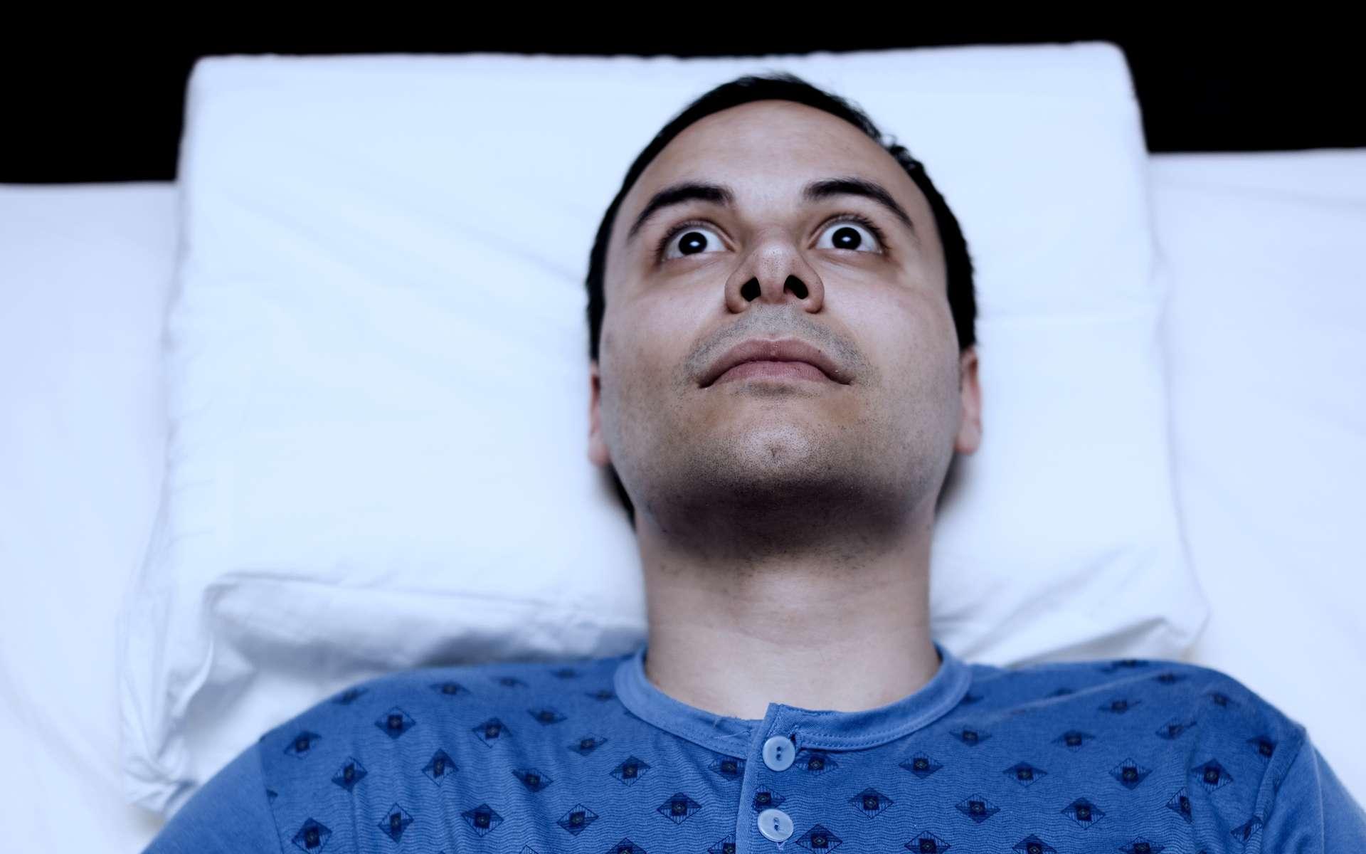 Pendant notre sommeil, nos yeux peuvent être parfois légèrement ouverts mais pas totalement. © Minerva Studio, Shutterstock