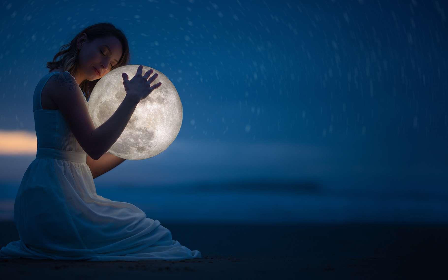 Des chercheurs de l'université de Washington (États-Unis) rapportent que nous dormons moins les nuits qui précèdent la Pleine Lune. © Anton, Adobe Stock