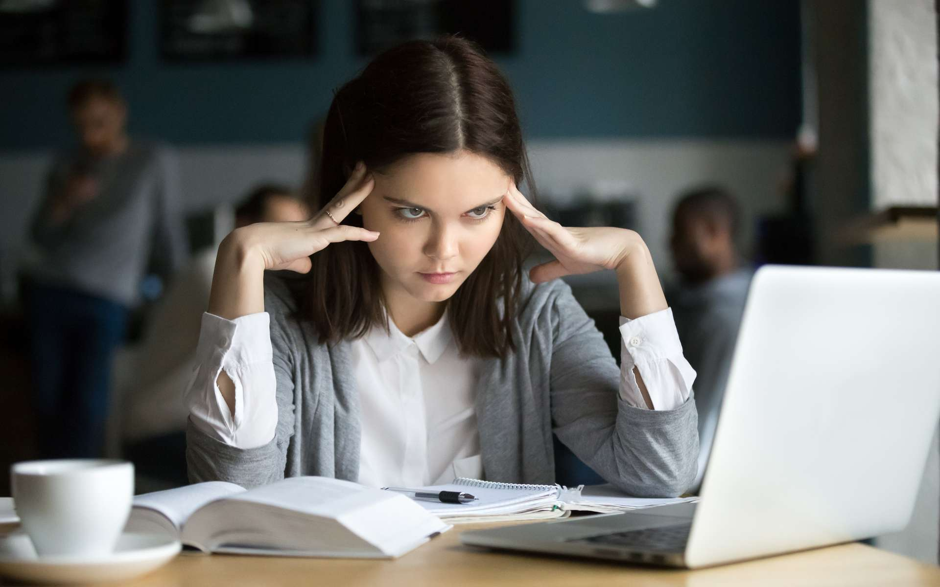 Les secrets du cerveau pour rester concentré et faire un tri sélectif. © fizkes, Adobe Stock