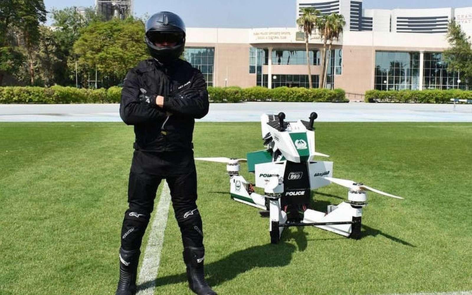 La moto volante présentée à Dubaï est en fait un appareil développé par la société russe Hoversurf qui l'a dévoilé en février dernier. © Hoversurf