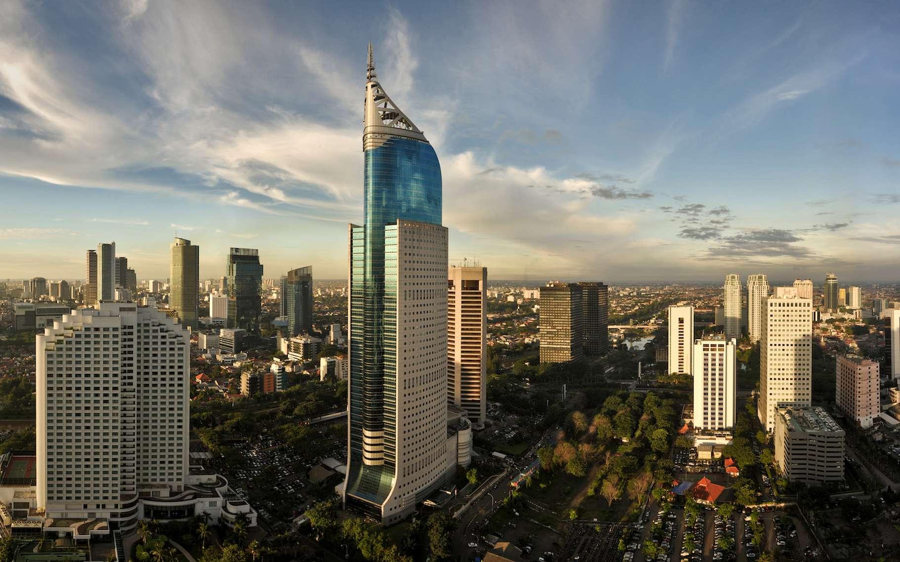 Selon les chercheurs de l'université d'East Anglia (Royaume-Uni), entre élévation du niveau de la mer et affaissement des terres, la ville de Jakarta est menacée. © Daxiao Productions, Adobe Stock