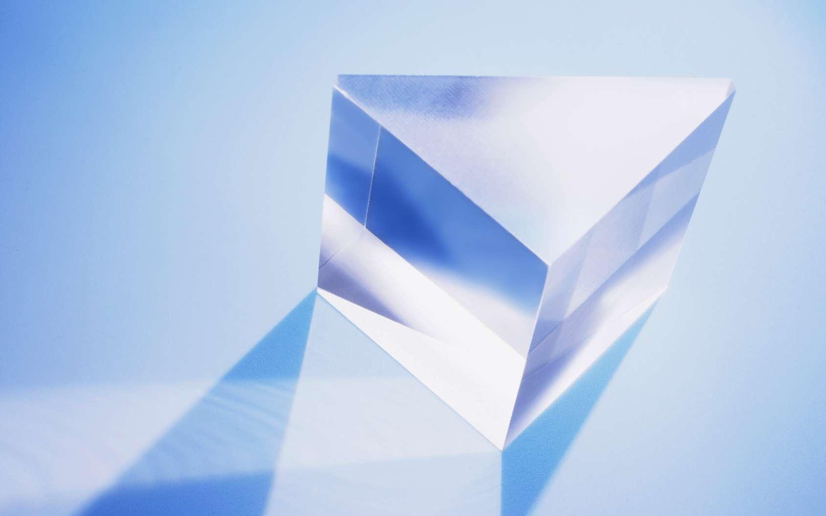 Un morceau de verre a été doté d'une intelligence artificielle. © fotomatrix, Fotolia