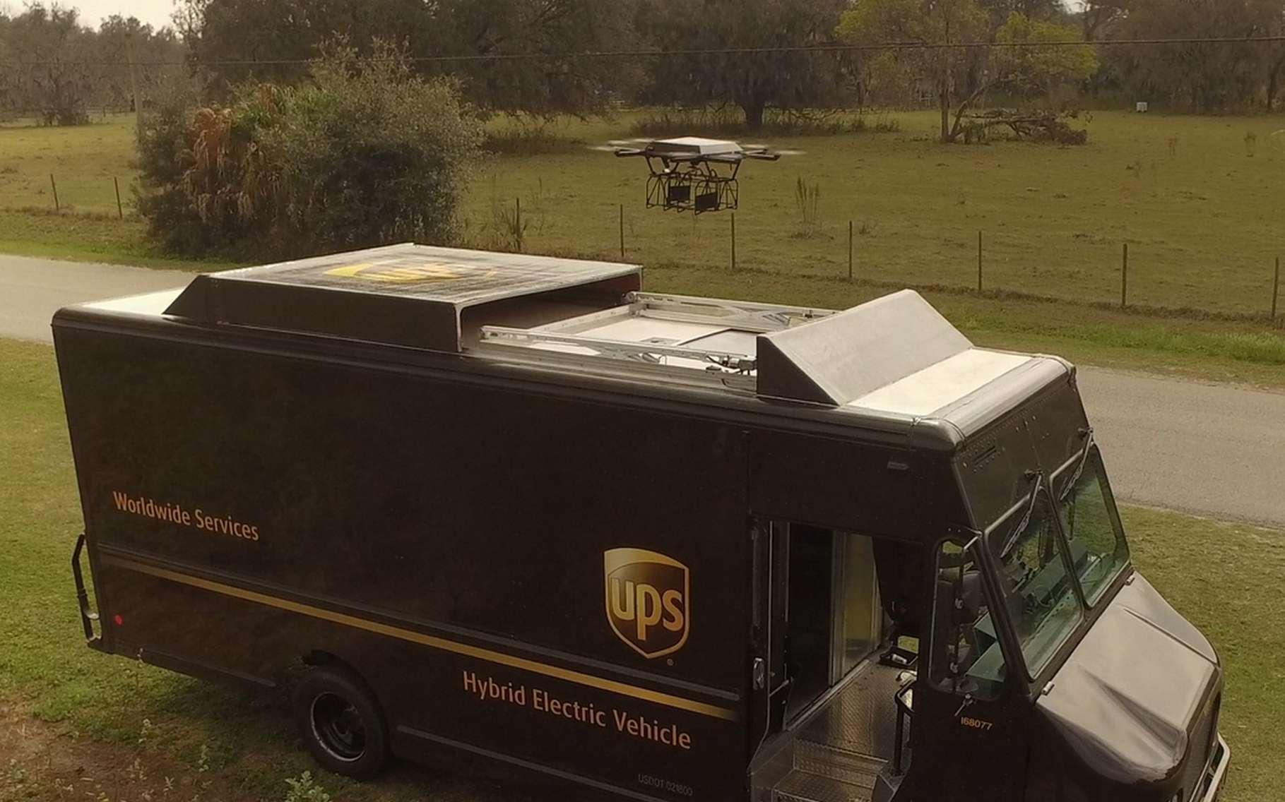 UPS pense que la solution combinant un drone et un camion de livraison est la plus souple pour assurer des livraisons en zones rurales. © UPS