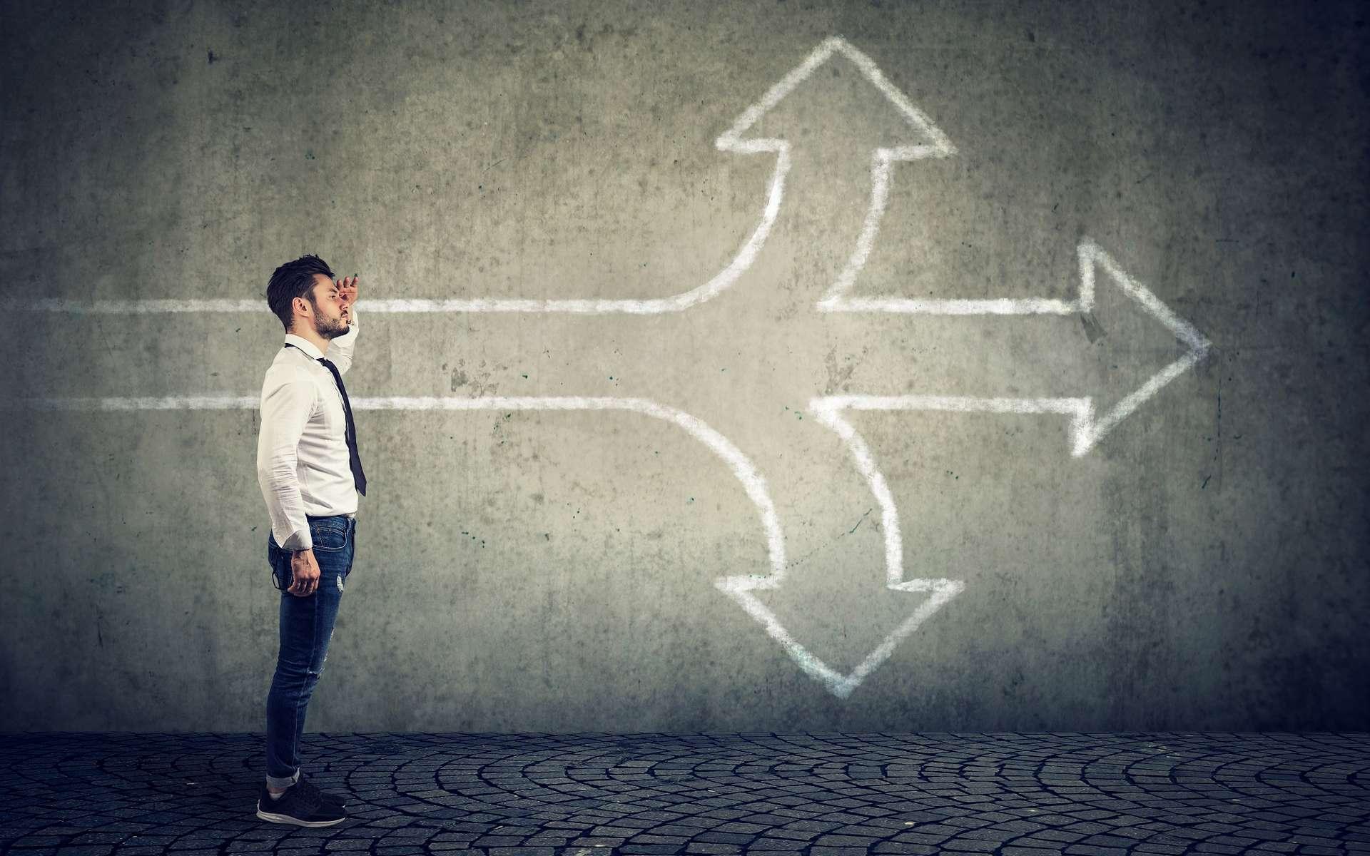 Une reconversion professionnelle ne se fait pas en quelques semaines. Un moment de réflexion est nécessaire pour trouver sa voie et le métier vers lequel on a envie de se diriger. © pathdoc, Adobe Stock.
