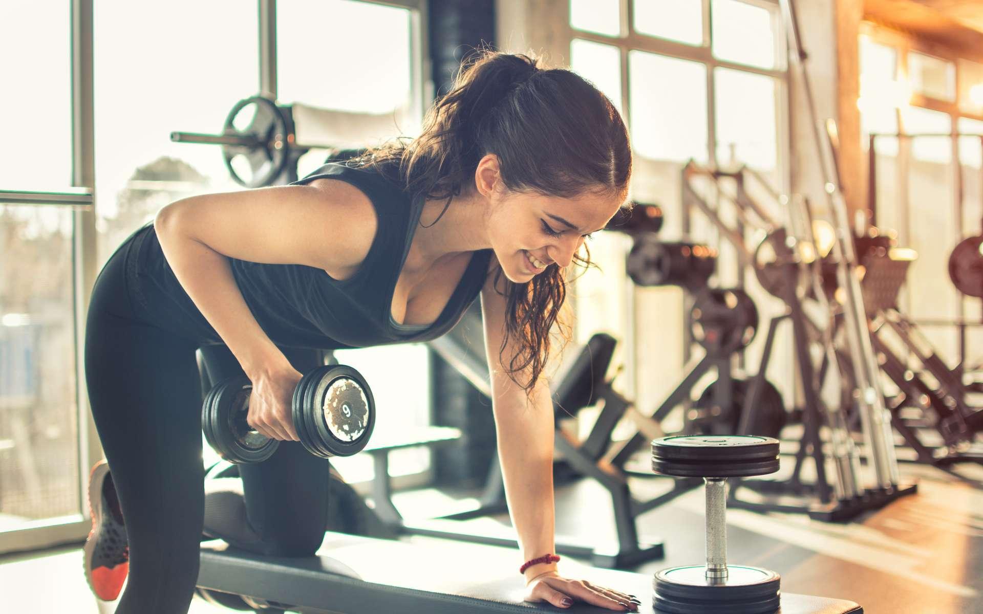 Les sports de force participent aussi à diminuer le risque de mourir d'un cancer. © Bojan, Adobe Stock