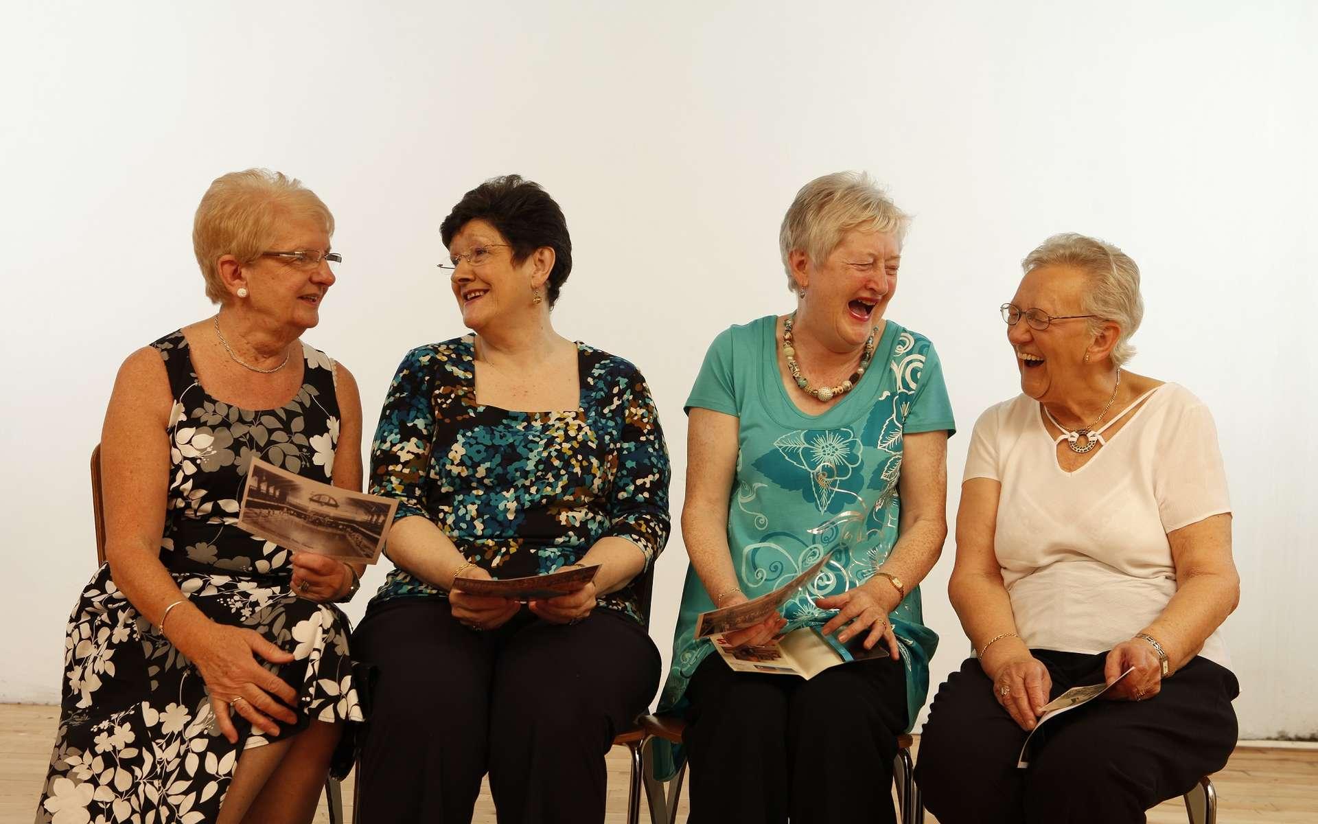 Les relations sociales sont particulièrement importantes chez les seniors. © TheArches, Flickr, CC by 2.0