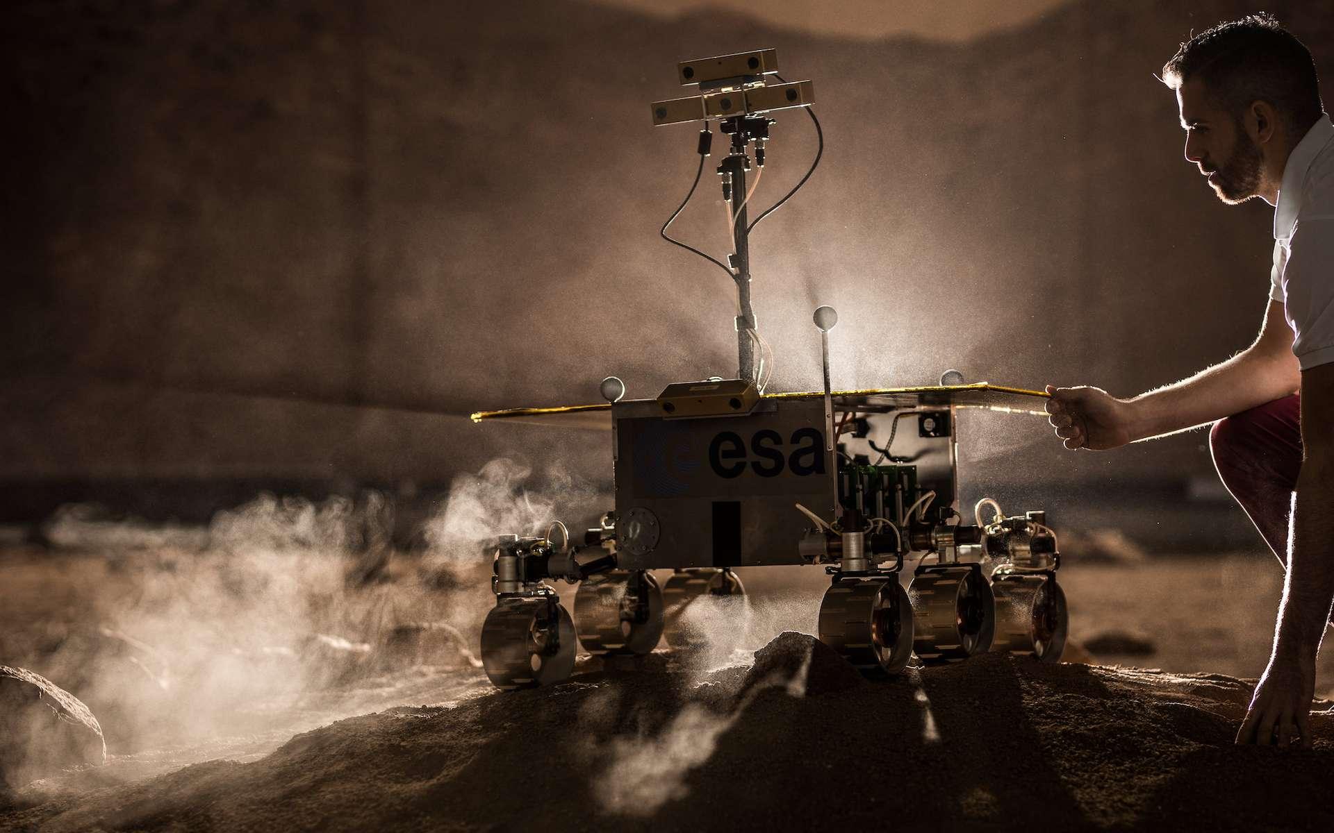 Modèle du rover Exomars qui sera chargé de découvrir des biosignatures dans les échantillons de roche. © Altec