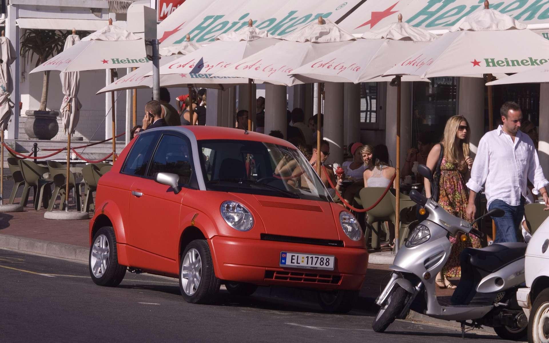 Le système Autolib' concernera Paris et sa banlieue, et devrait s'équiper de véhicules écologiques, comme la Th!nk, une voiture 100% électrique. © Think / Knut Bry