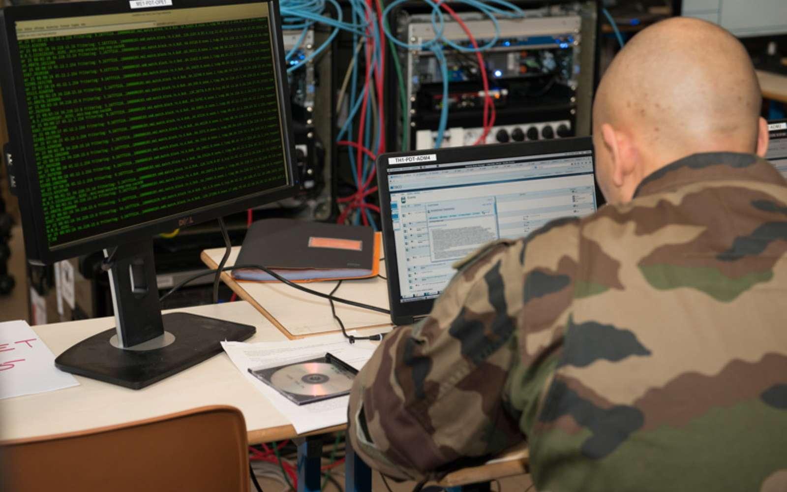 Les comptes Twitter des différentes armées du ministère de la Défense ont affiché un message intriguant pour lancer l'exercice DefNet 2021. © Armée de Terre